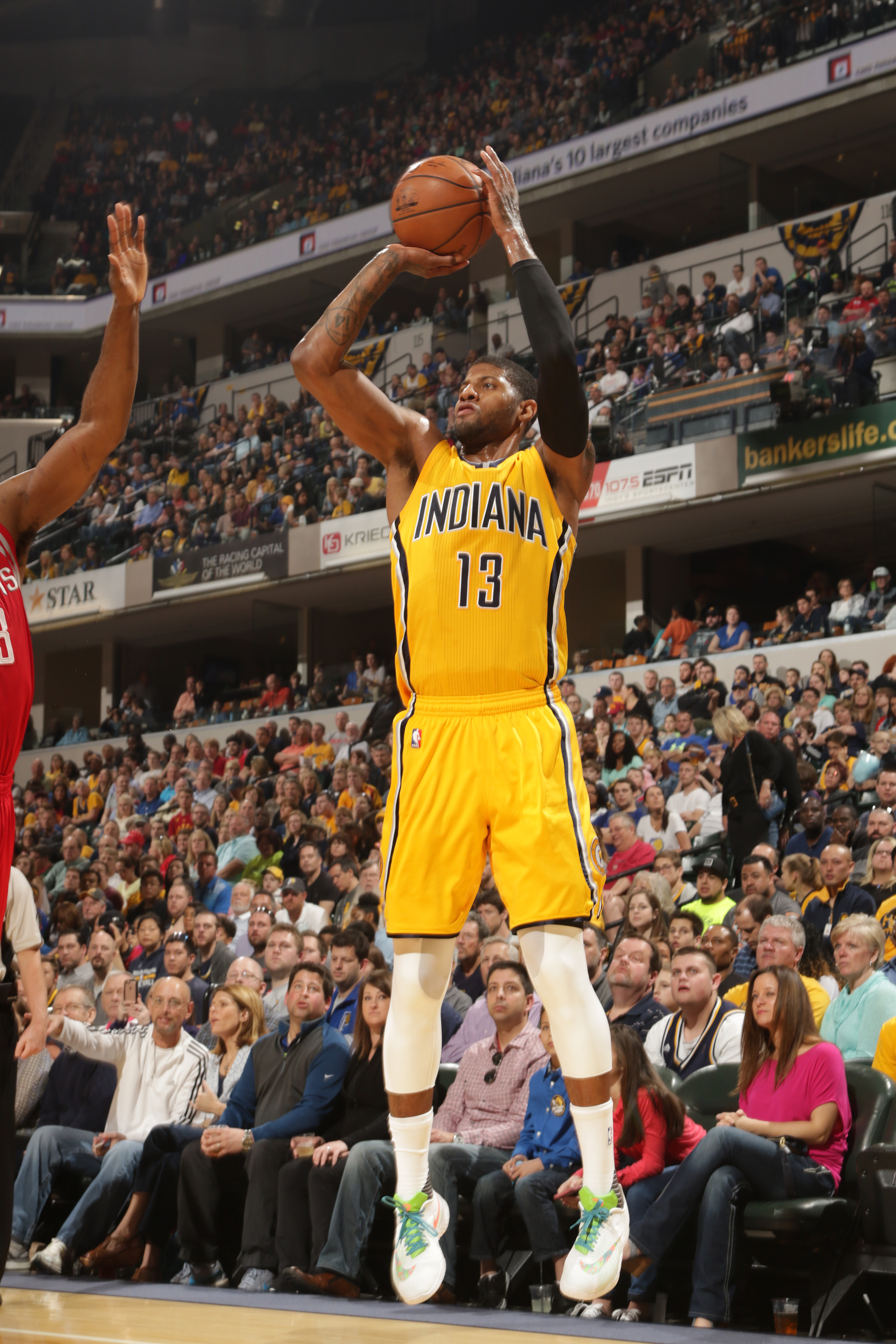 INDIANAPOLIS, IN - MARCH 27:  Paul George #13 of the Indiana Pacers shoots the ball against the Houston Rockets on March 27, 2016 at Bankers Life Fieldhouse in Indianapolis, Indiana. (Photo by Ron Hoskins/NBAE via Getty Images)