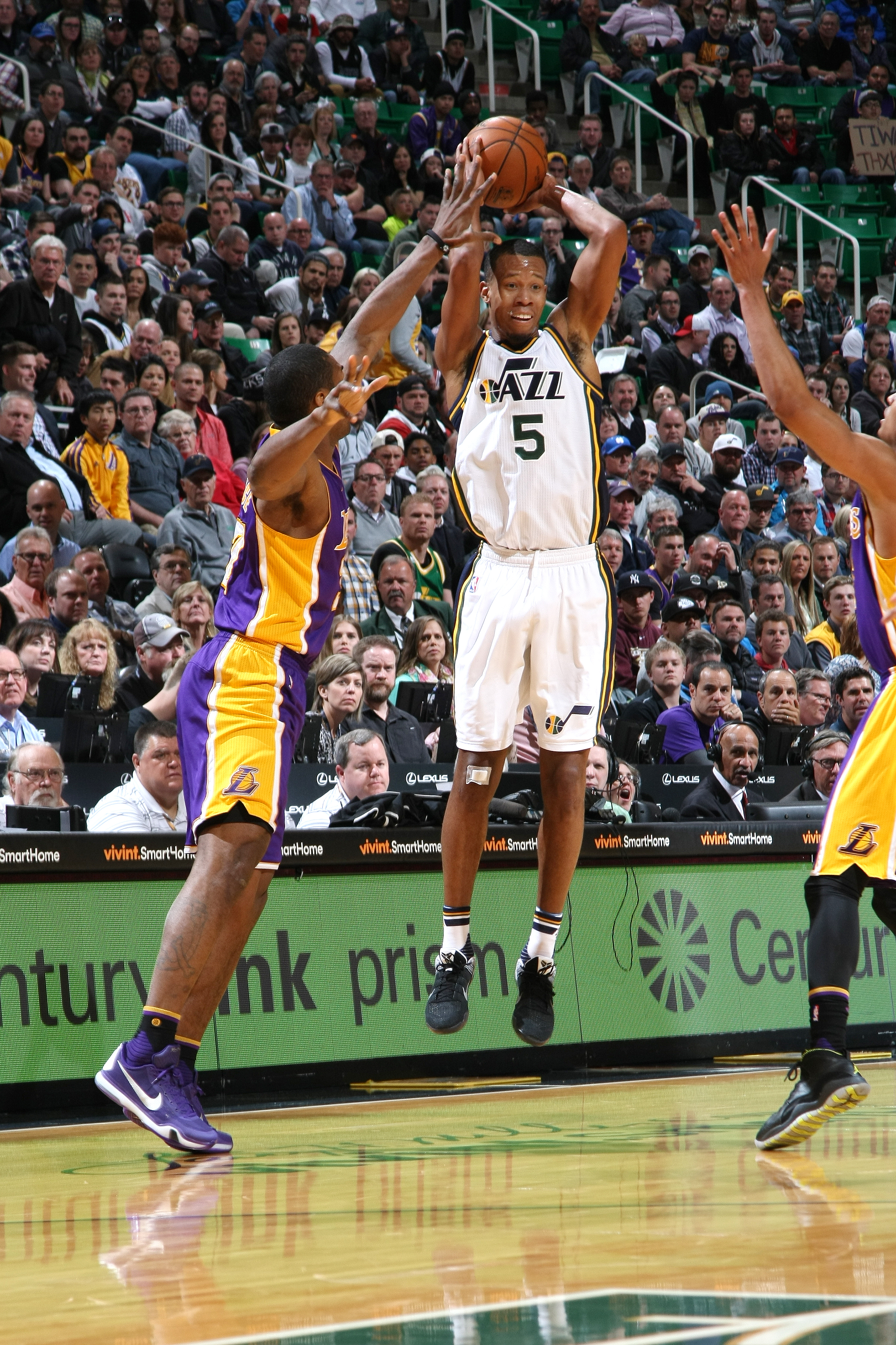 SALT LAKE CITY, UT - MARCH 28: Rodney Hood #5 of the Utah Jazz shoots the ball during the game against the Los Angeles Lakers on March 28, 2016 at EnergySolutions Arena in Salt Lake City, Utah. (Photo by Melissa Majchrzak/NBAE via Getty Images)