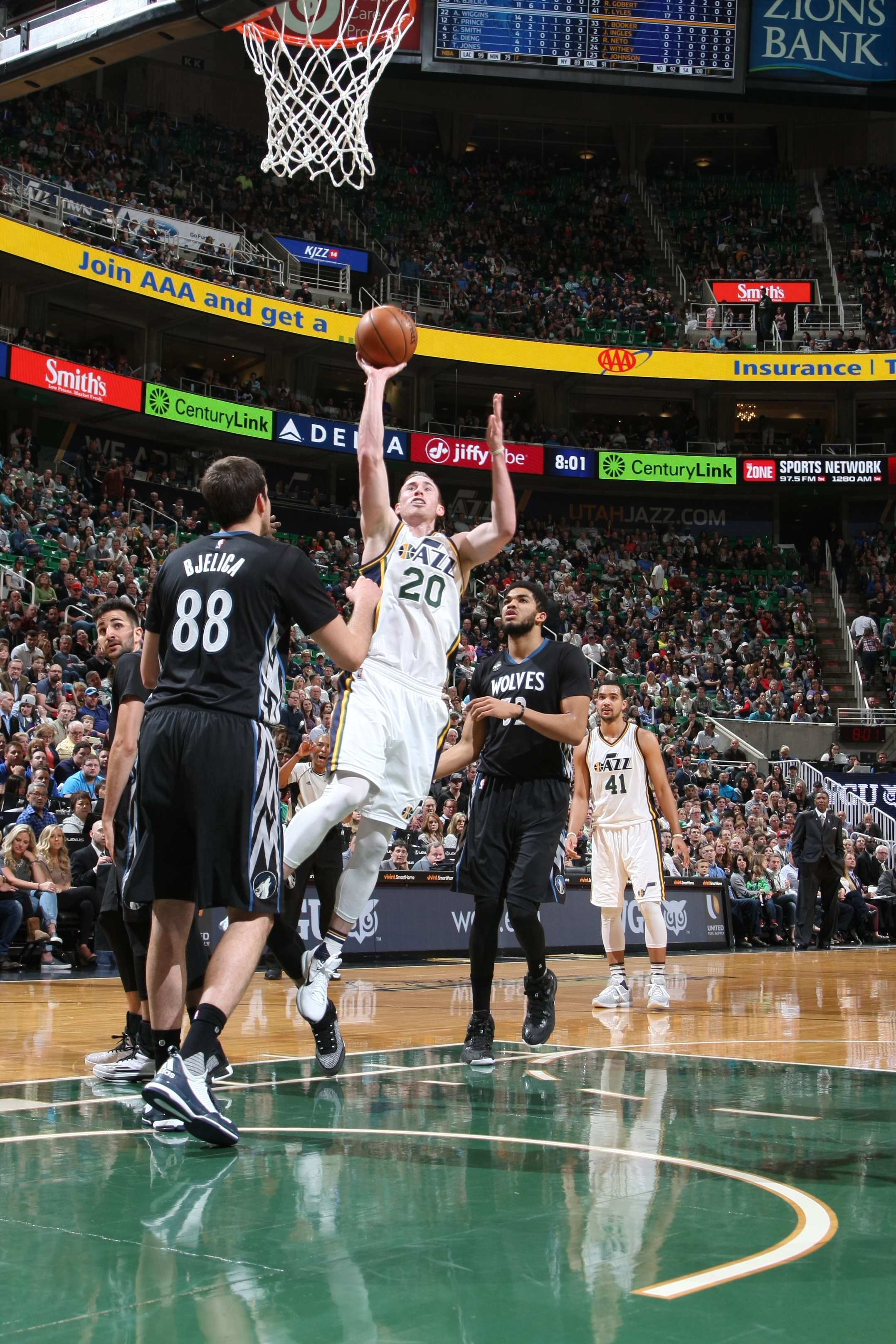 SALT LAKE CITY, UT  - APRIL 1: Gordon Hayward #20 of the Utah Jazz goes for the lay up against the Minnesota Timberwolves during the game on April 1, 2016 at Vivint Smart Home Arena in Salt Lake City, Utah. (Photo by Melissa Majchrzak/NBAE via Getty Image