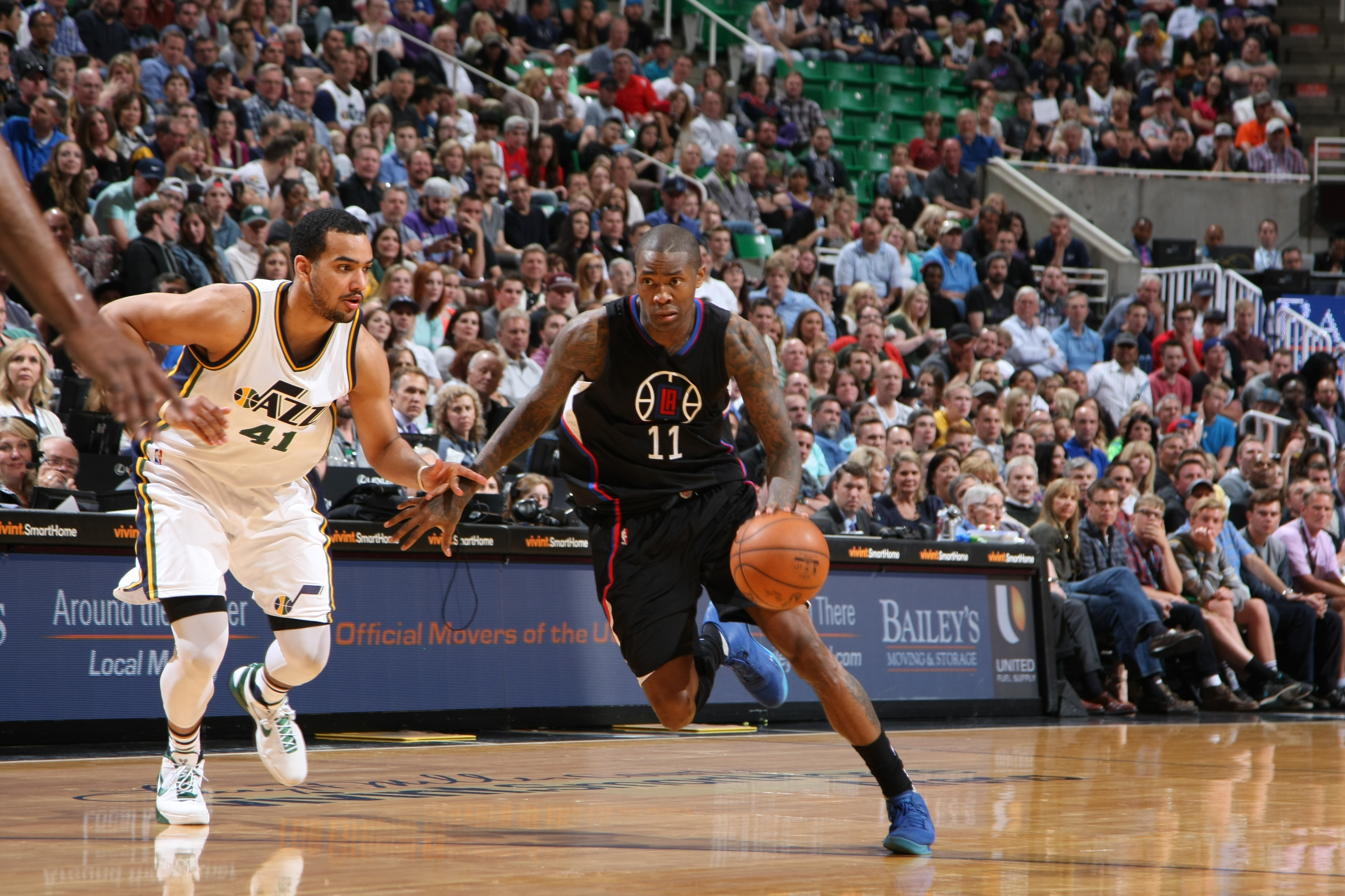 SALT LAKE CITY, UT  - APRIL 8: Jamal Crawford #11 of the Los Angeles Clippers drives to the basket against the Utah Jazz during the game on April 8, 2016 at Vivint Smart Home Arena in Salt Lake City, Utah. (Photo by Melissa Majchrzak/NBAE via Getty Images