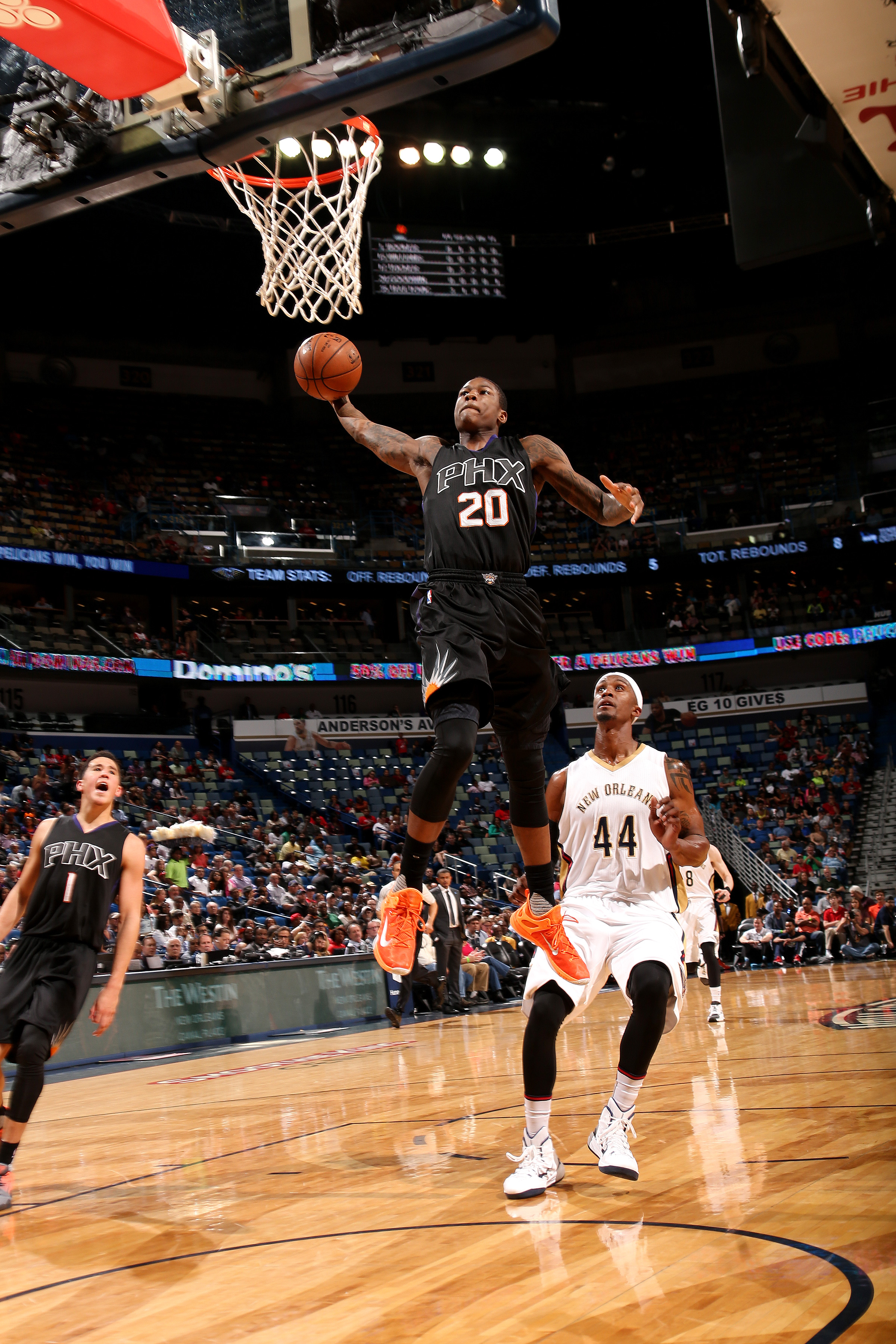 NEW ORLEANS, LA - APRIL 9: Archie Goodwin #20 of the Phoenix Suns goes for a dunk during the game against the New Orleans Pelicans on April 9, 2016 at the Smoothie King Center in New Orleans, Louisiana. (Photo by Layne Murdoch Jr./NBAE via Getty Images)