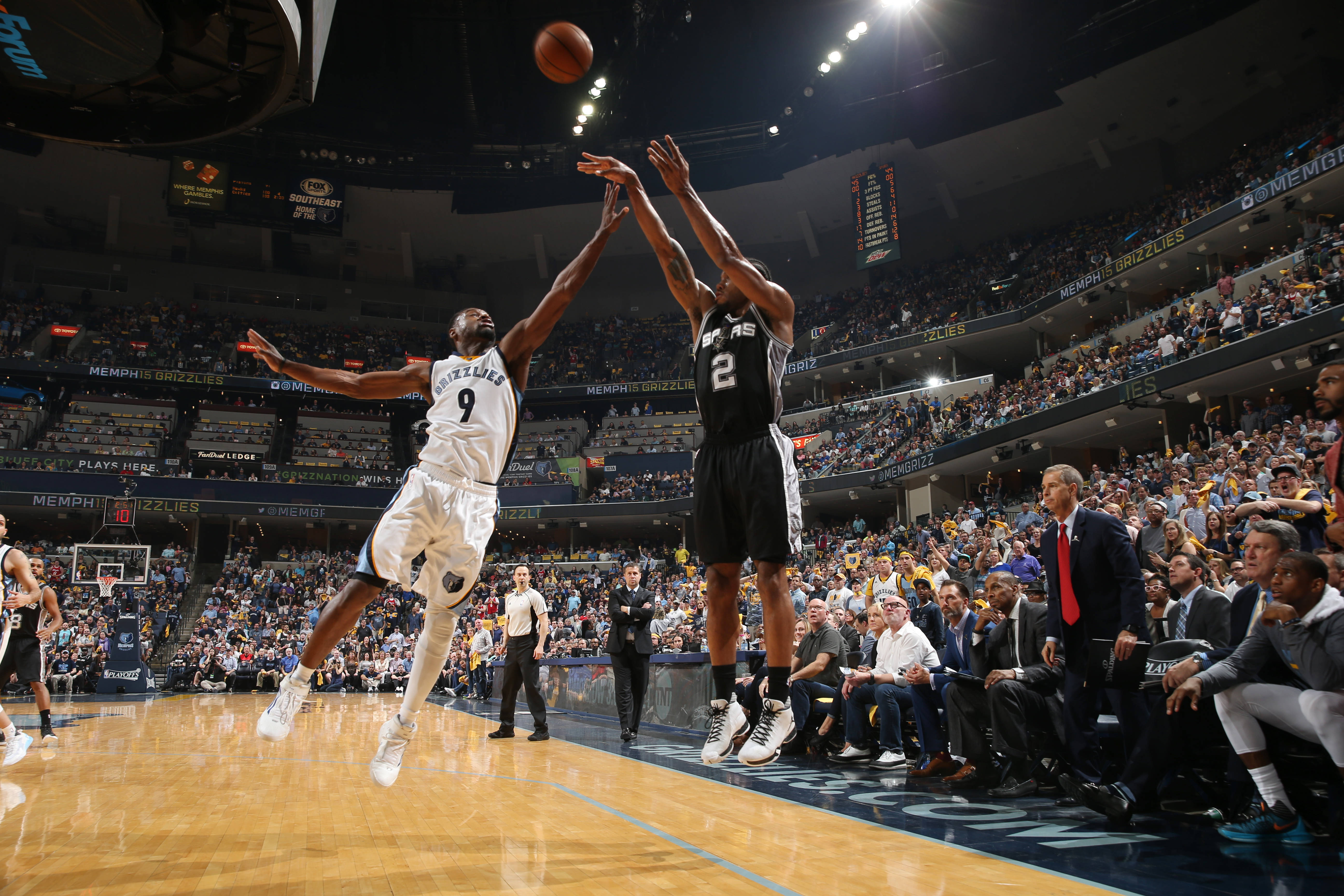 MEMPHIS, TN - APRIL 22: Kawhi Leonard #2 of the San Antonio Spurs shoots the ball against the Memphis Grizzlies in Game Three of the Eastern Conference Quarterfinals of the 2016 NBA Playoffs on April 22, 2016 (Photo by Joe Murphy/NBAE via Getty Images)