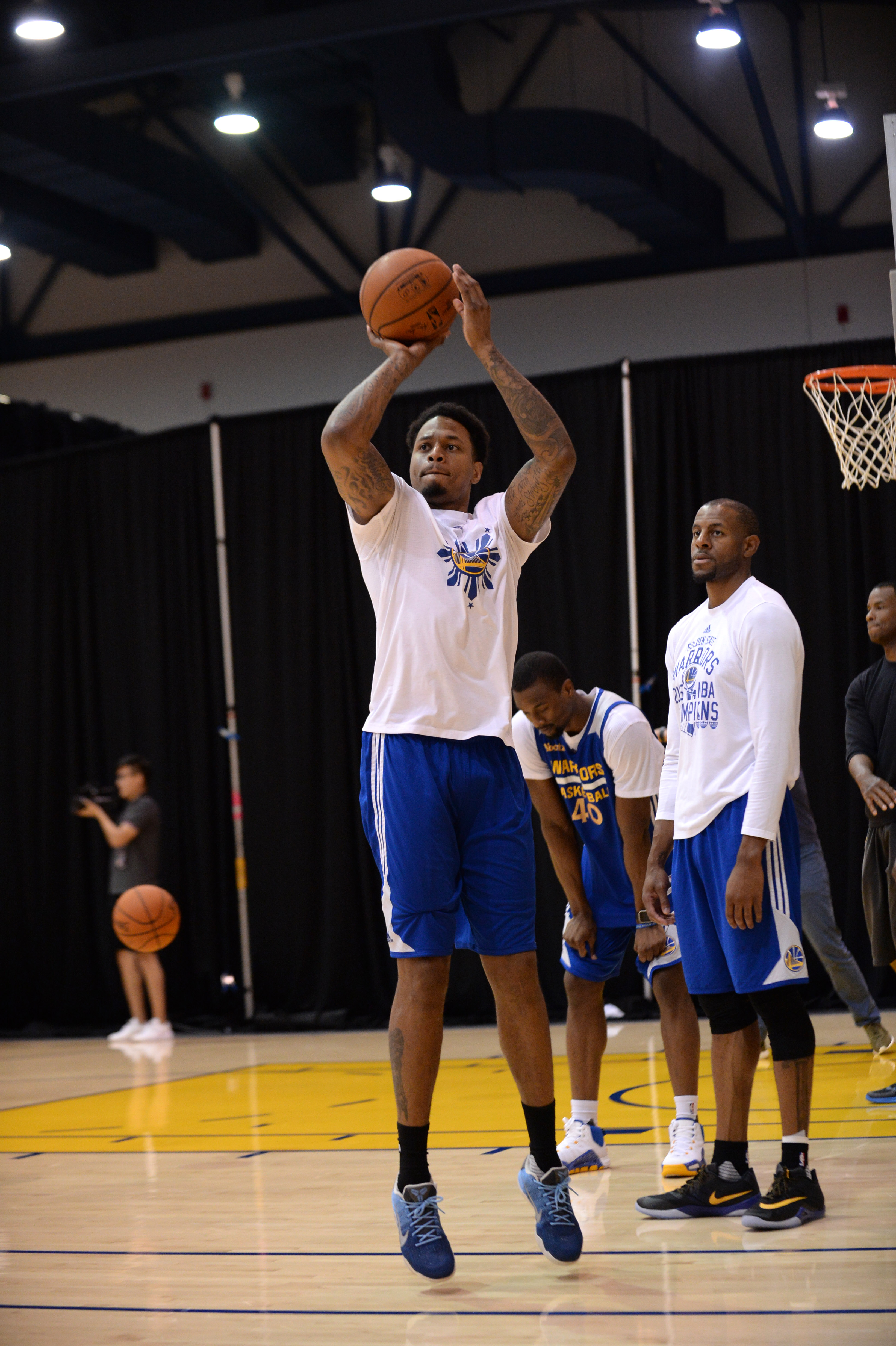 OAKLAND, CA - JUNE 12: Brandon Rush of the Golden State Warriors shoots during practice and media availability as part of the 2016 NBA Finals on June 12, 2016 at Oakland Convention Center in Oakland, California. (Photo by Noah Graham/NBAE via Getty Images