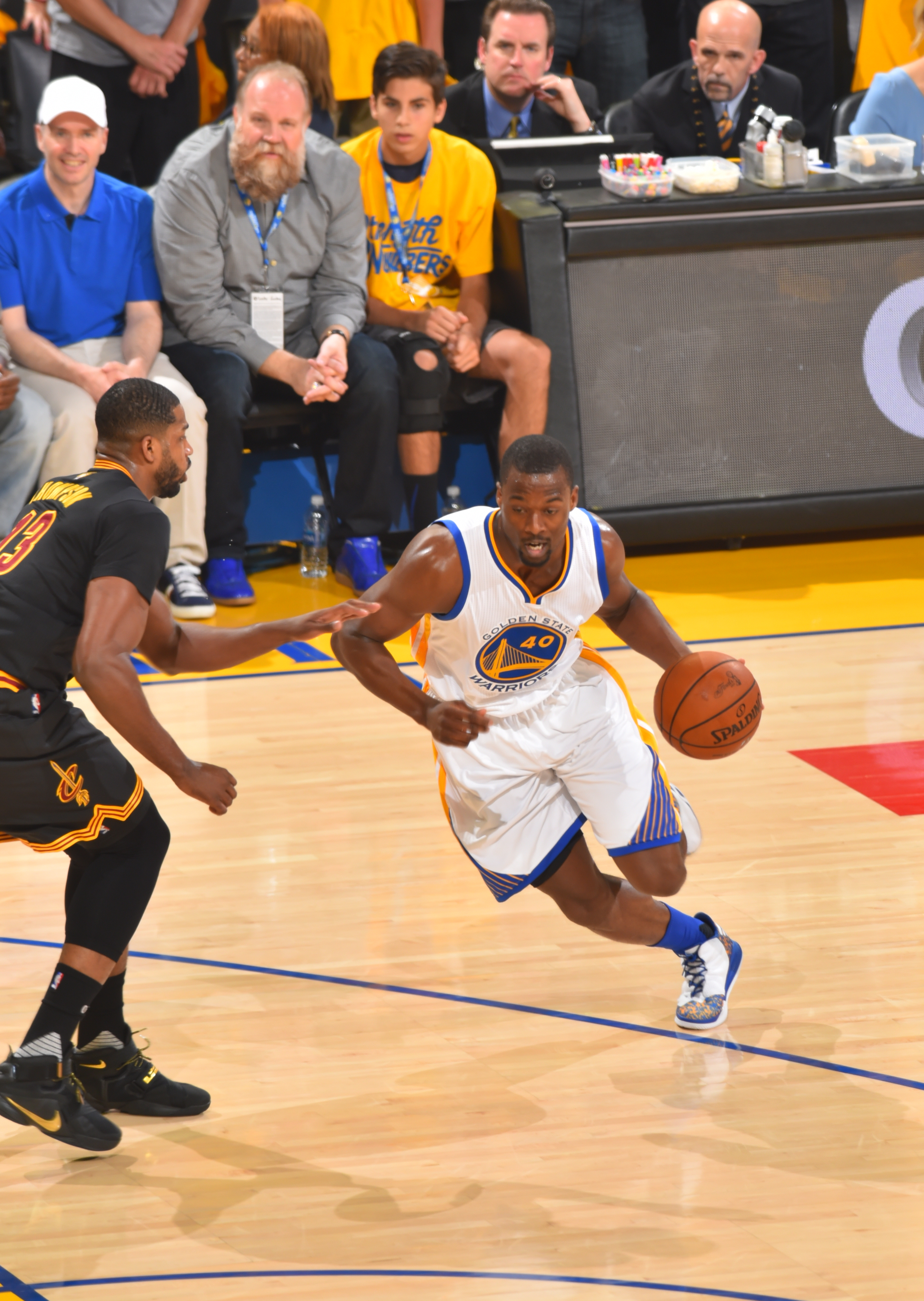 OAKLAND, CA - JUNE 19:  Harrison Barnes #40 of the Golden State Warriors drives to the basket against the Cleveland Cavaliers during the 2016 NBA Finals Game Seven on June 19, 2016 at ORACLE Arena in Oakland, California. (Photo by Jesse D. Garrabrant/NBAE