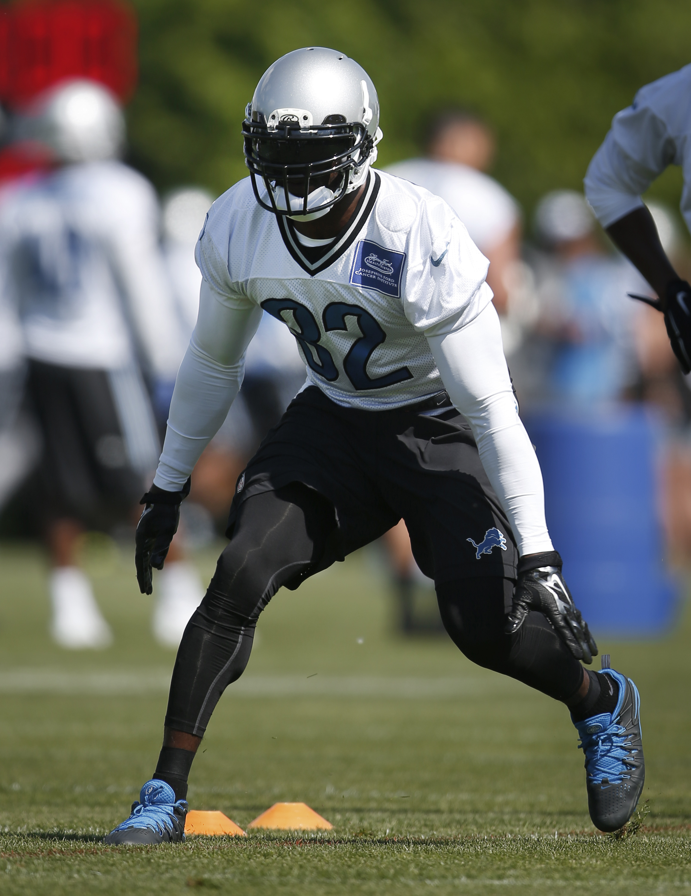 Detroit Lions safety James Ihedigbo runs during an NFL football organized team activity in Allen Park, Mich., Wednesday, May 27, 2015. (AP Photo/Paul Sancya)