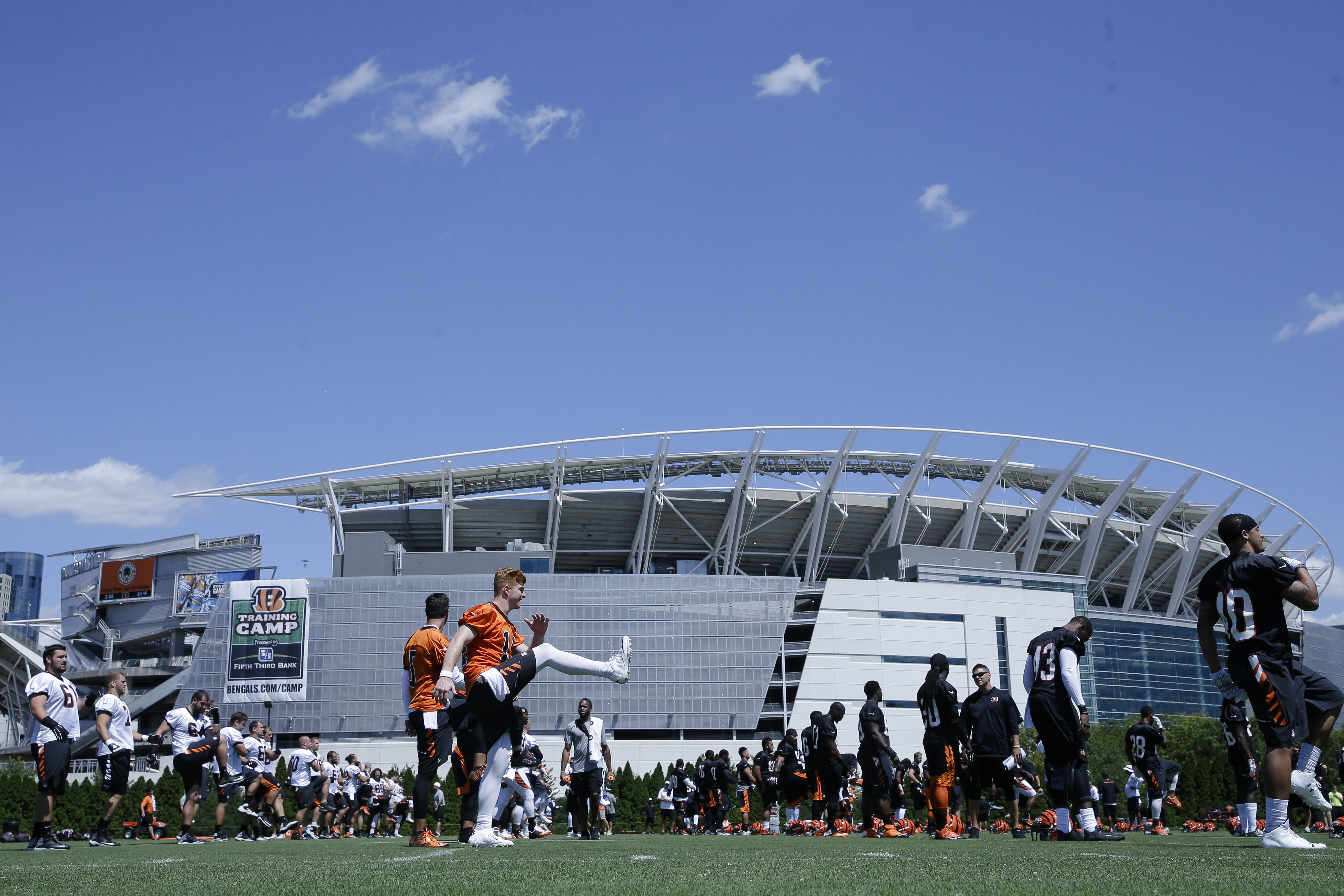 The Cincinnati Bengals participate in NFL football training camp, Saturday, Aug. 1, 2015, in Cincinnati. (AP Photo/John Minchillo)