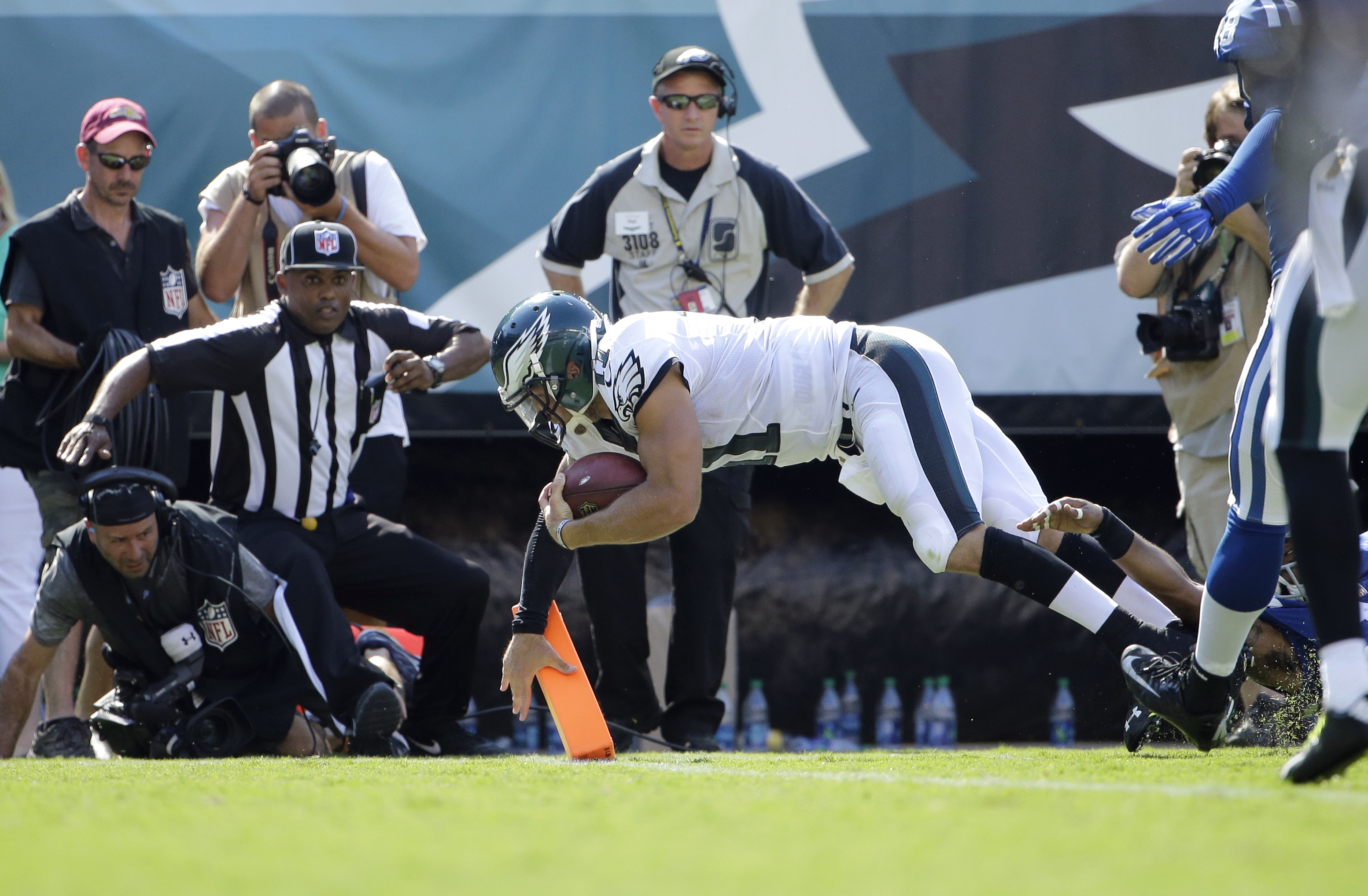 Philadelphia Eagles' Tim Tebow scores a touchdown during the second half of a preseason NFL football game against the Indianapolis Colts, Sunday, Aug. 16, 2015, in Philadelphia. (AP Photo/Matt Rourke)