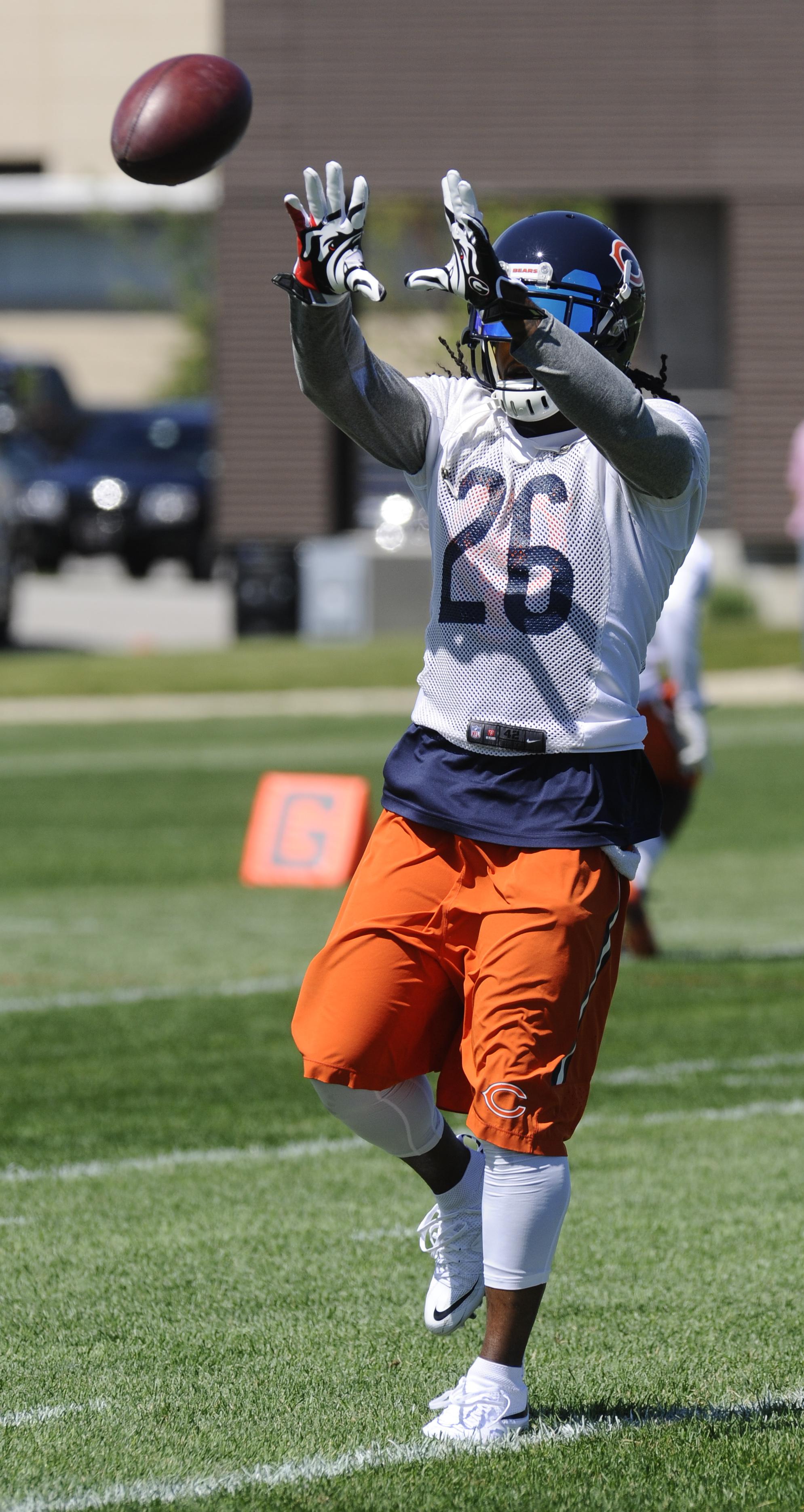 Chicago Bears cornerback Tim Jennings  at NFL football minicamp at Halas Hall on Tuesday, June 16, 2015, in Lake Forest, Ill. (AP Photo/Matt Marton)