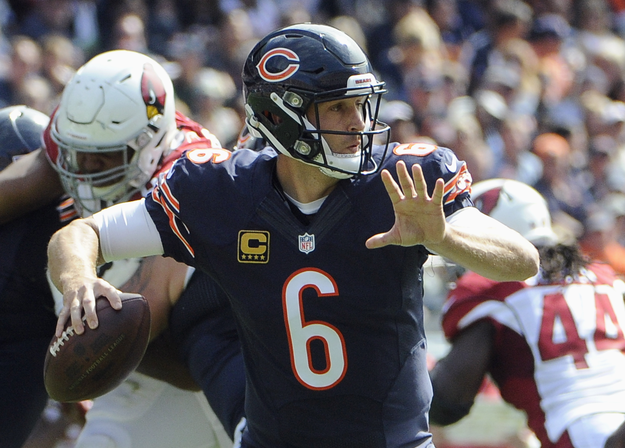 Chicago Bears quarterback Jay Cutler (6) throws a pass during the first half of an NFL football game against the Arizona Cardinals, Sunday, Sept. 20, 2015, in Chicago. (AP Photo/David Banks)