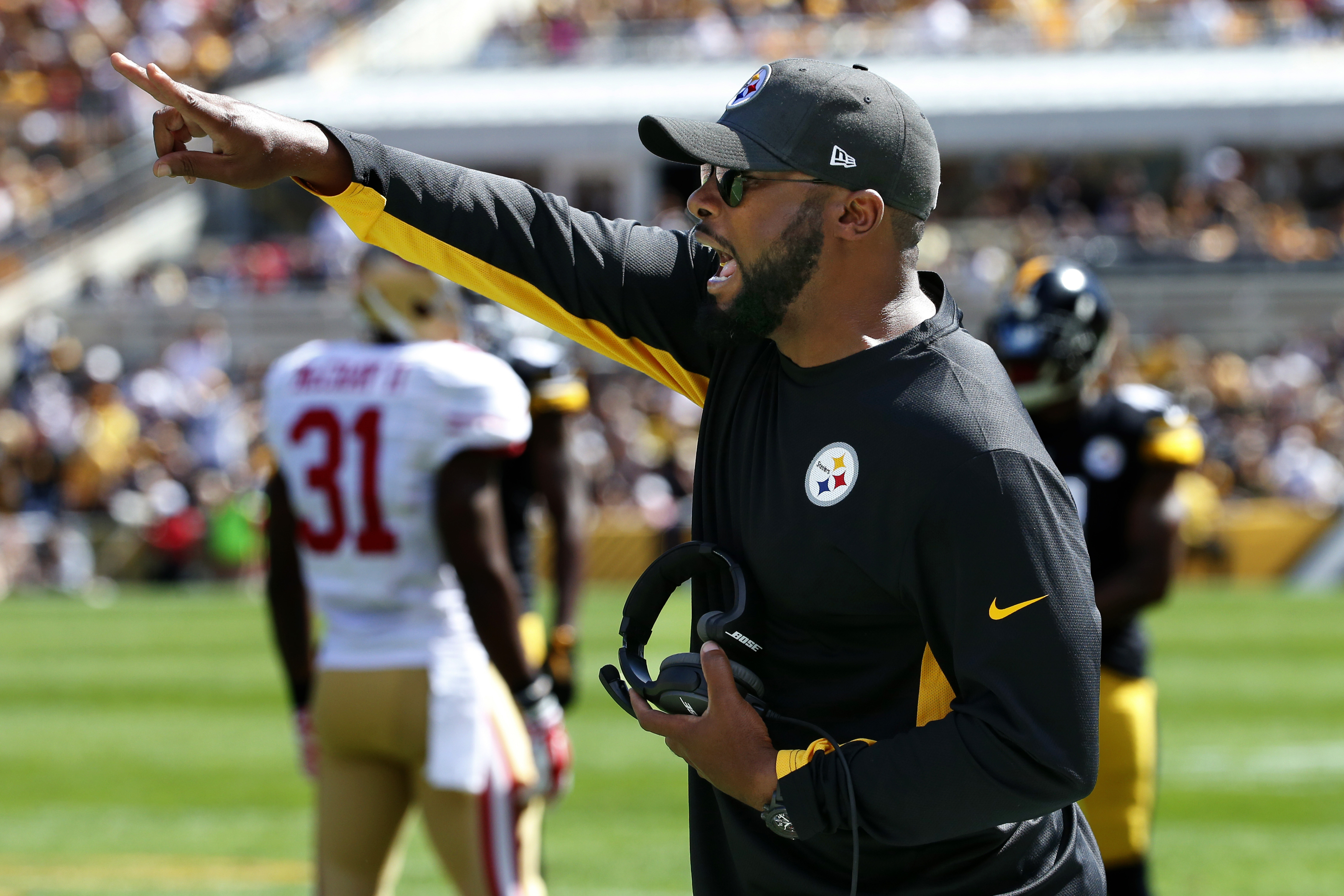 FILE - In this Sept. 20, 2015, file photo, Pittsburgh Steelers coach Mike Tomlin yells instructions from the sideline during an NFL football game between the Steelers and the San Francisco 49ers in Pittsburgh. The Steelers converted a pair of 2-pointers e