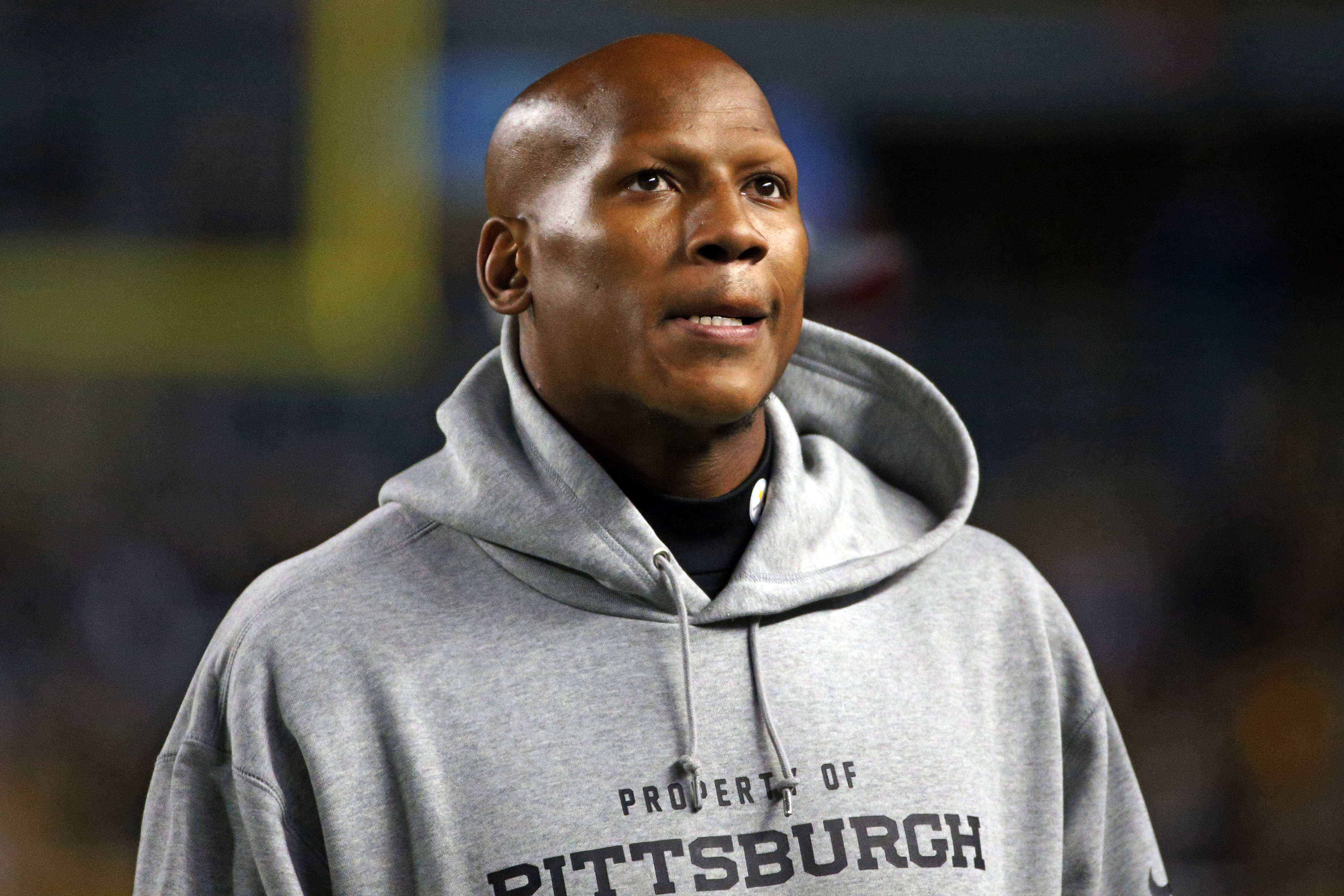 Pittsburgh Steelers inside linebacker Ryan Shazier (50) stands on the sidelines injured during the second half of an NFL football game against the Baltimore Ravens, Thursday, Oct. 1, 2015 in Pittsburgh. (AP Photo/Gene J. Puskar)