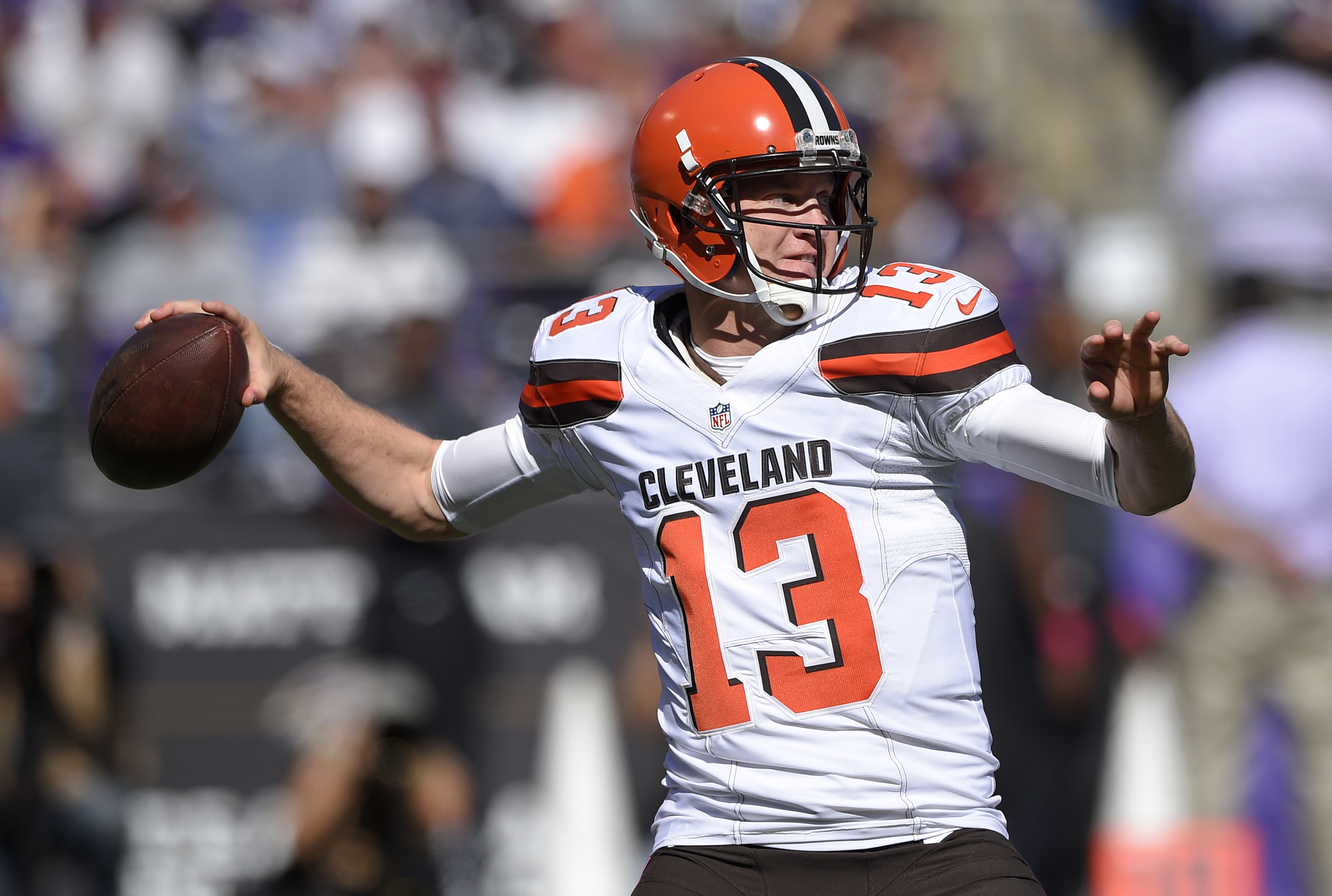 Cleveland Browns quarterback Josh McCown throws to a receiver in the first half of an NFL football game against the Baltimore Ravens, Sunday, Oct. 11, 2015, in Baltimore. (AP Photo/Nick Wass)