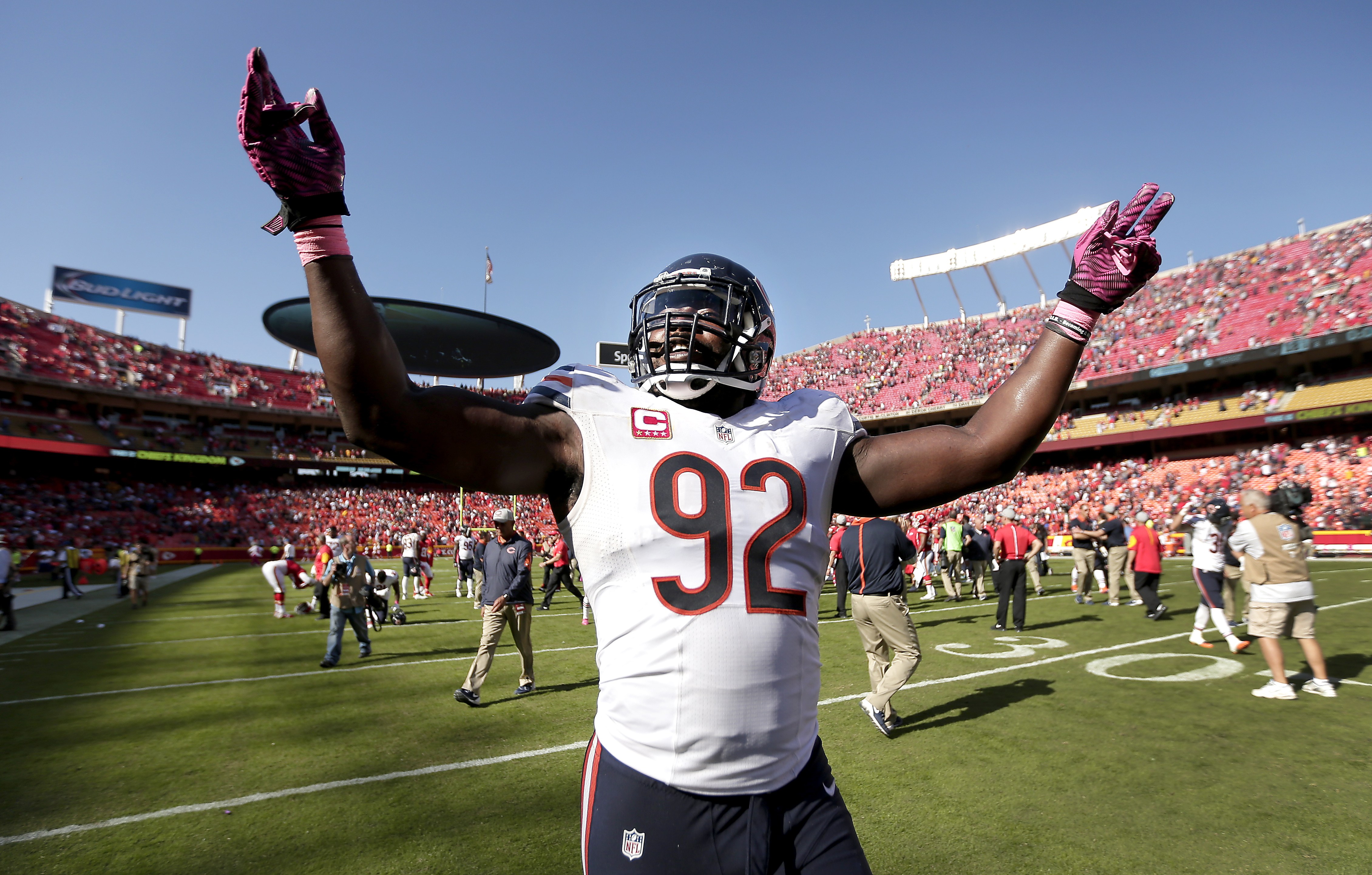 Chicago Bears outside linebacker Pernell McPhee (92) celebrates after an NFL football game against the Kansas City Chiefs Sunday, Oct. 11, 2015, in Kansas City, Mo. Chicago won 18-17. (AP Photo/Charlie Riedel)
