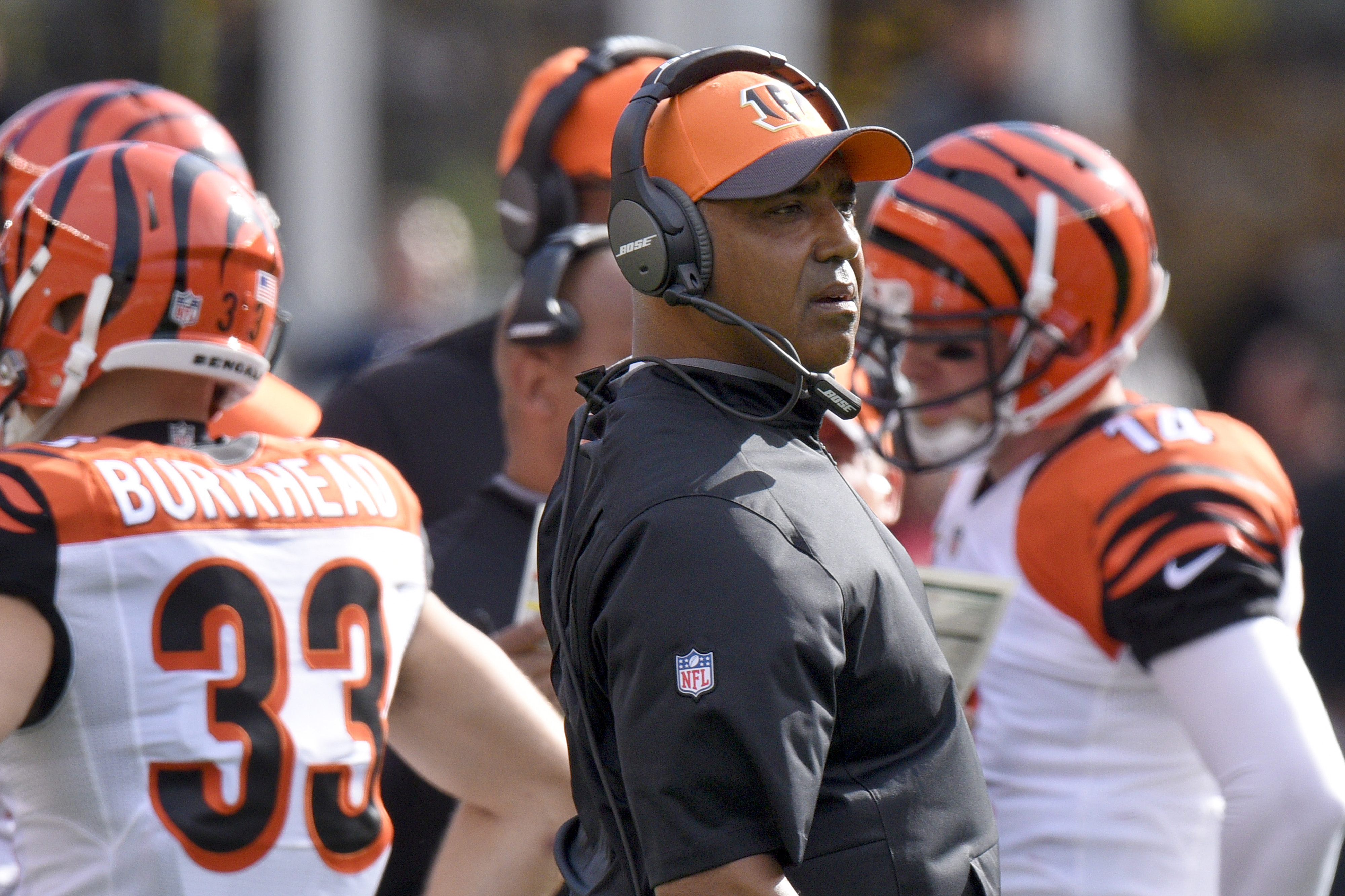 Cincinnati Bengals head coach Marvin Lewis looks to the field as the offense leaves the field in the first half of an NFL football game against the Pittsburgh Steelers, Sunday, Nov. 1, 2015, in Pittsburgh. The Bengals won 16-10. (AP Photo/Don Wright)