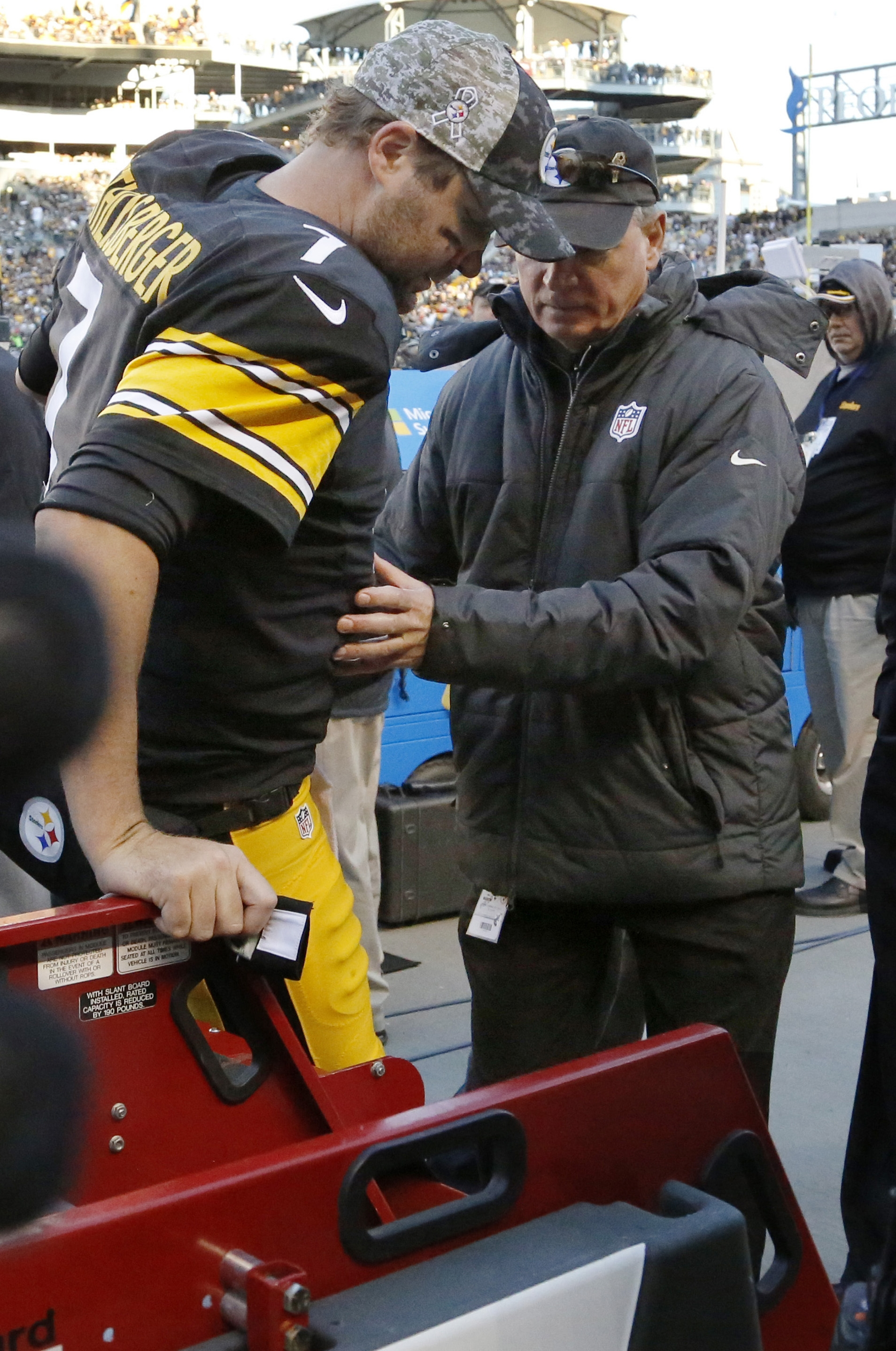 Pittsburgh Steelers quarterback Ben Roethlisberger (7) is helped to a cart after he was injured in the second half of an NFL football game against the Oakland Raiders, Sunday, Nov. 8, 2015, in Pittsburgh. The Steelers won 38-35. (AP Photo/Gene Puskar)