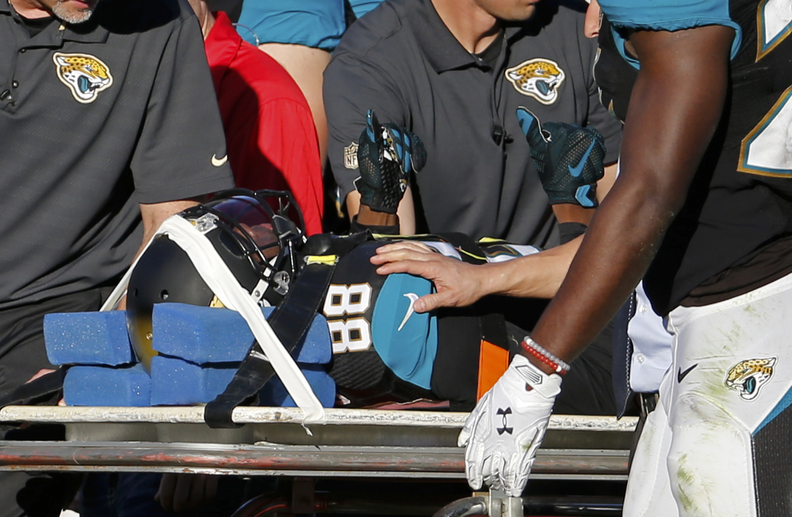 Jacksonville Jaguars wide receiver Allen Hurns (88) gives the thumbs up as he comes off the field after he was injured during the second half of an NFL football game against the San Diego Chargers in Jacksonville, Fla., Sunday, Nov. 29, 2015. San Diego wo