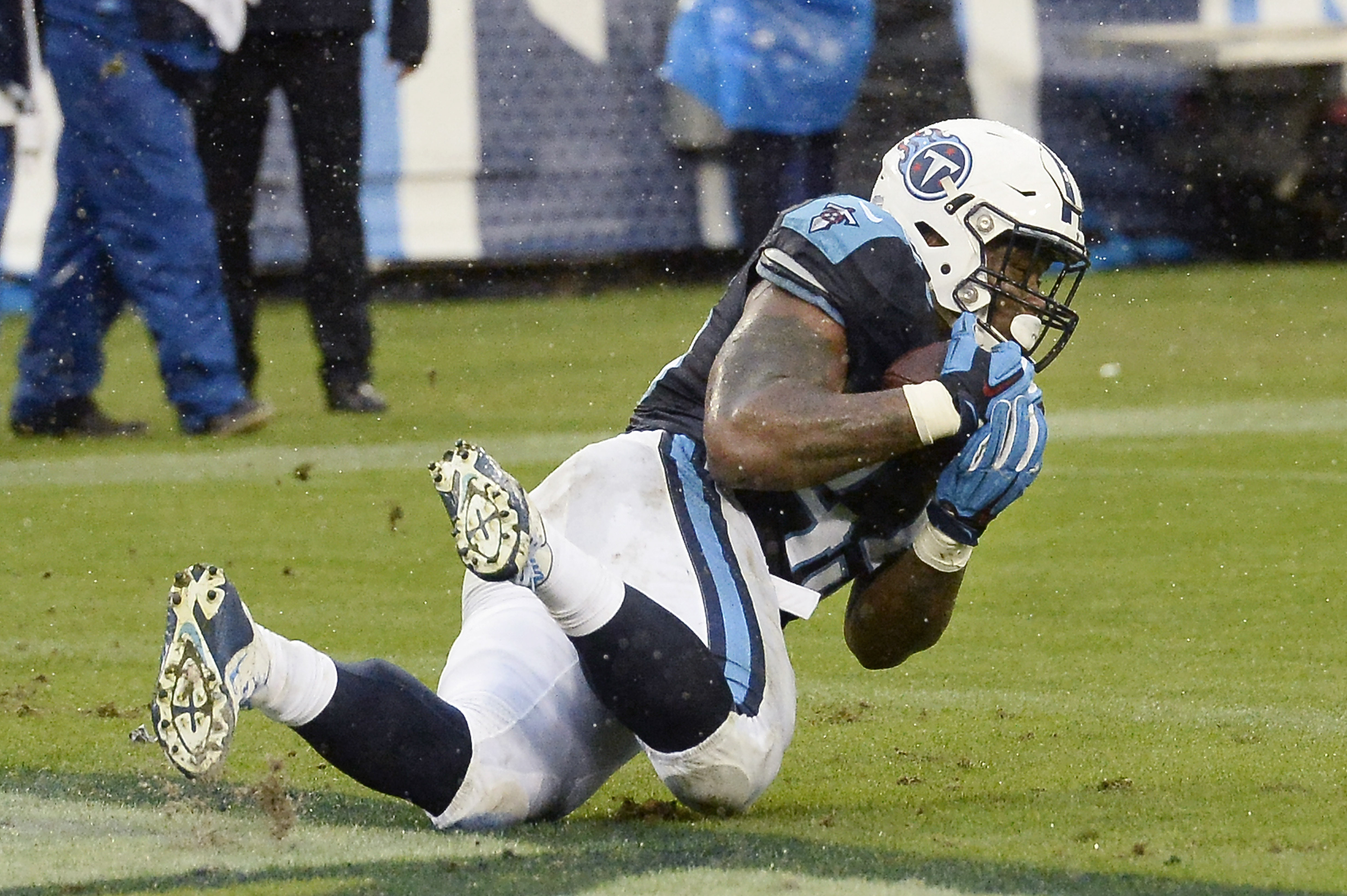 FILE - In this Nov. 29, 2015 file photo, Tennessee Titans fullback Jalston Fowler catches a 1-yard touchdown pass against the Oakland Raiders in the second half of an NFL football game in Nashville, Tenn.  Tennessee does a decent enough job of staying on