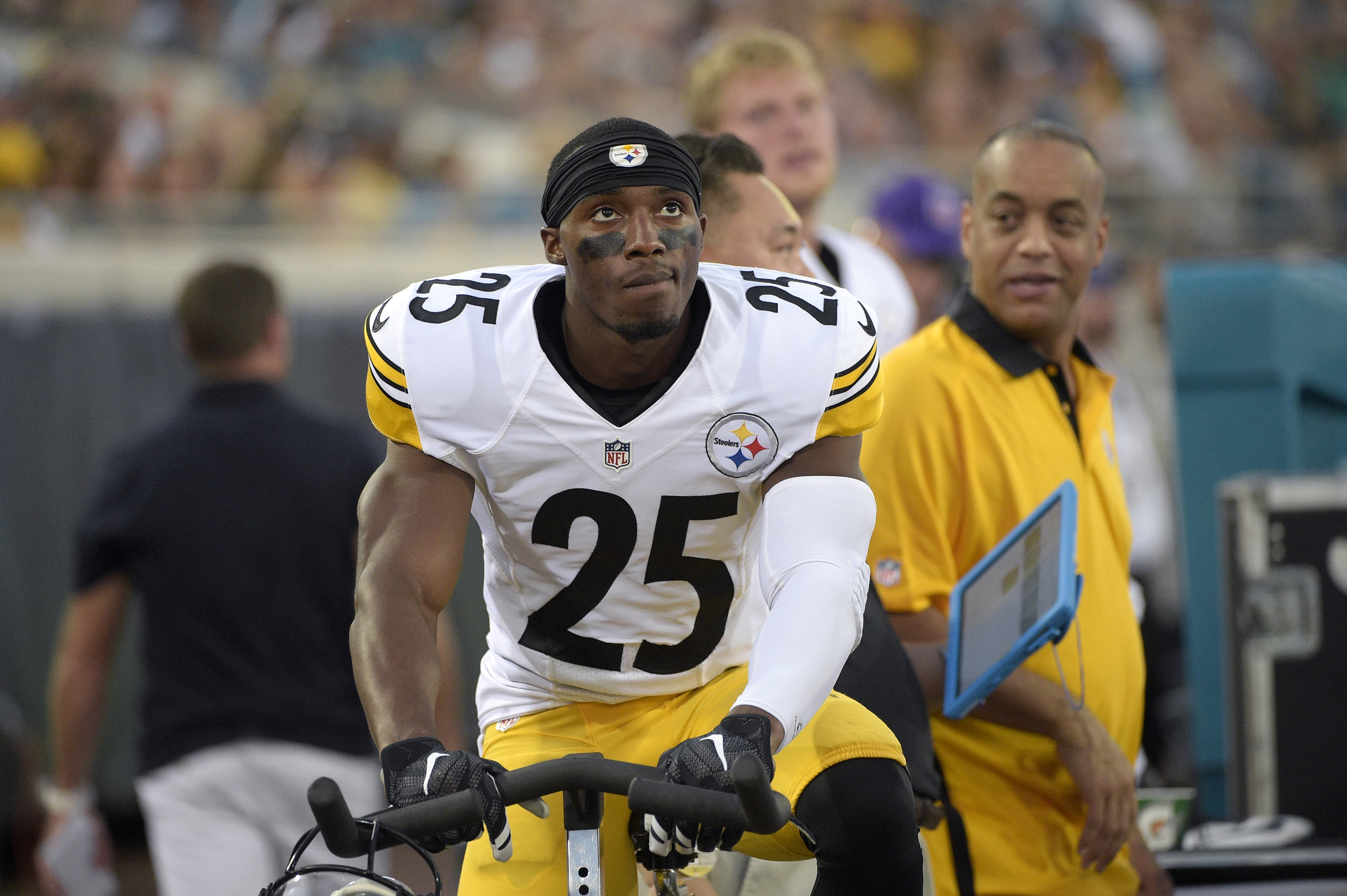 FILE - In this Aug. 14, 2015, file photo, Pittsburgh Steelers defensive back Brandon Boykin (25) works on a stationary bicycle behind the bench during the first half of an NFL preseason football game against the Jacksonville Jaguars in Jacksonville, Fla.