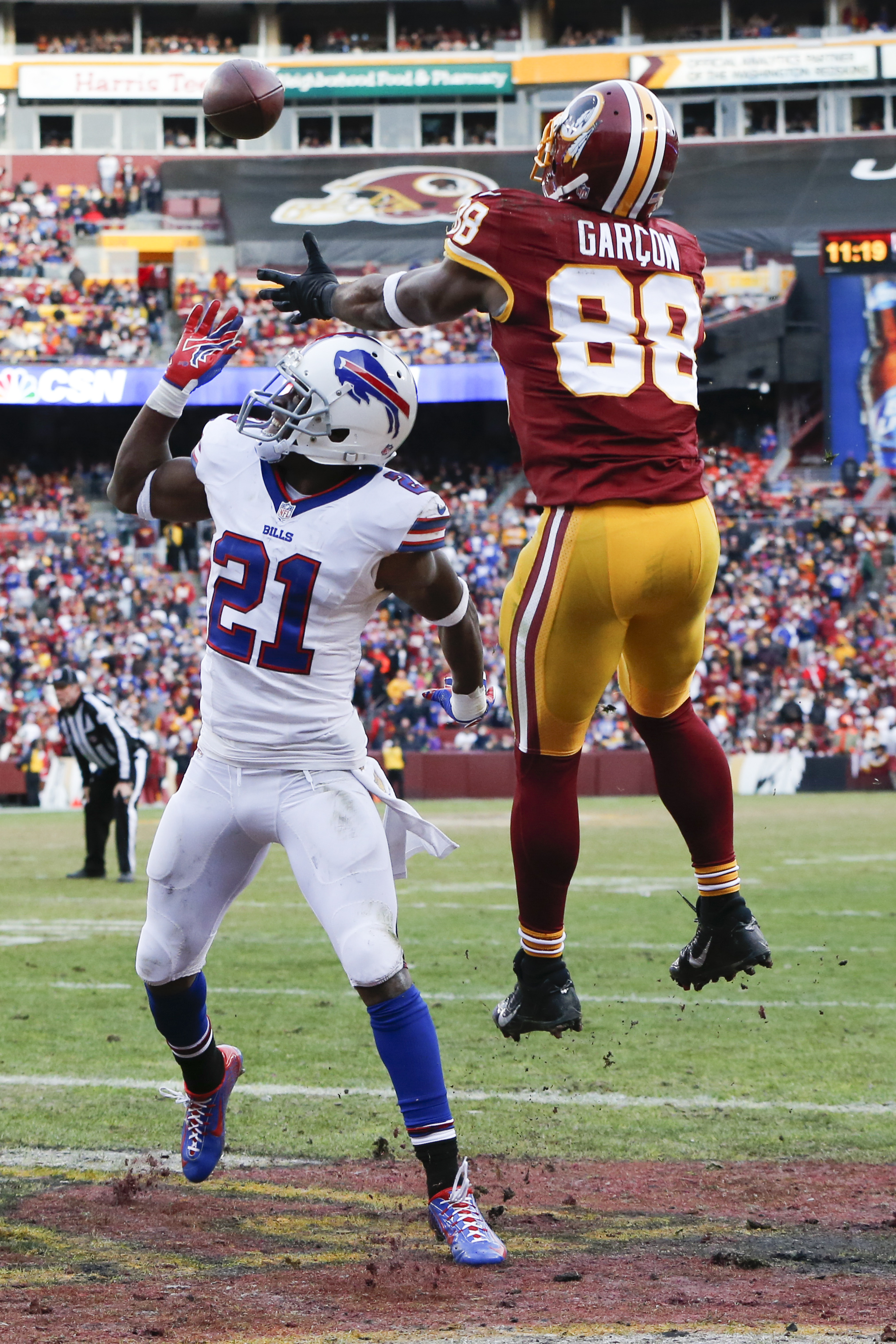 Washington Redskins wide receiver Pierre Garcon (88) pulls in a touchdown pass over Buffalo Bills strong safety Leodis McKelvin (21) during the second half of an NFL football game in Landover, Md., Sunday, Dec. 20, 2015. (AP Photo/Jacquelyn Martin)