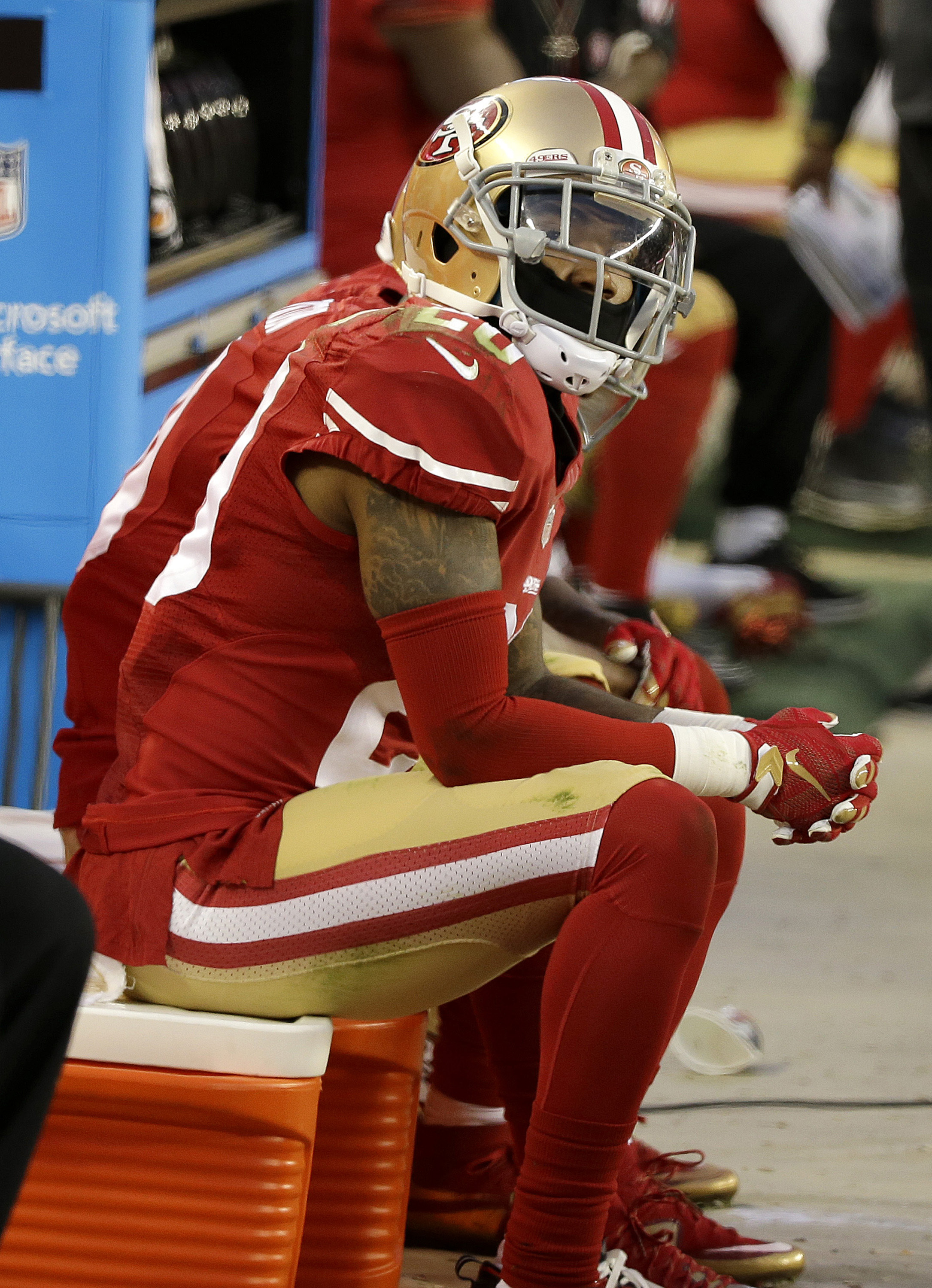 San Francisco 49ers cornerback Kenneth Acker (20) sits on the sideline during the second half of an NFL football game against the Cincinnati Bengals in Santa Clara, Calif., Sunday, Dec. 20, 2015. (AP Photo/Eric Risberg)
