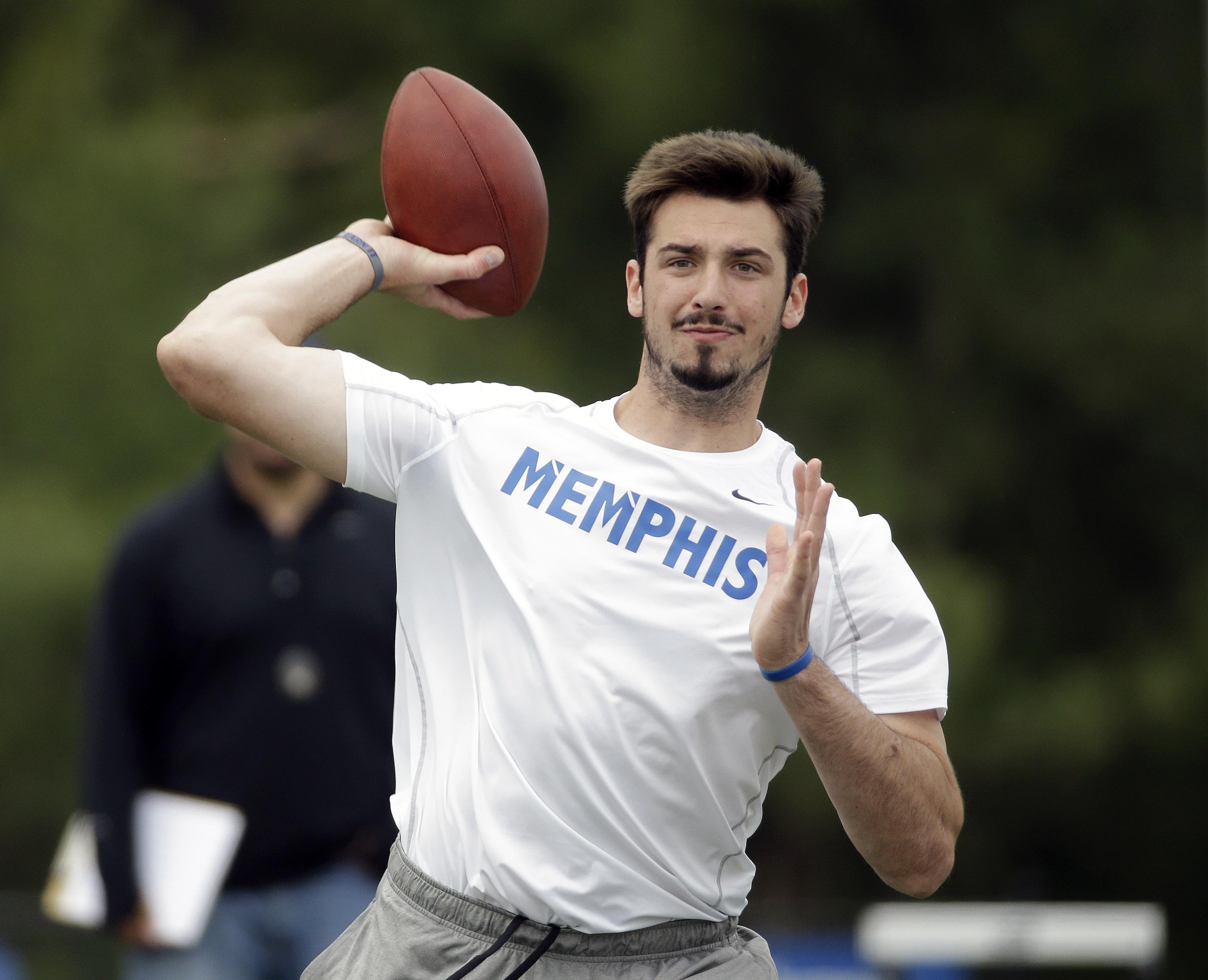 Memphis quarterback Paxton Lynch passes during the school's NFL football pro day Wednesday, April 6, 2016, in Memphis, Tenn. (AP Photo/Mark Humphrey)