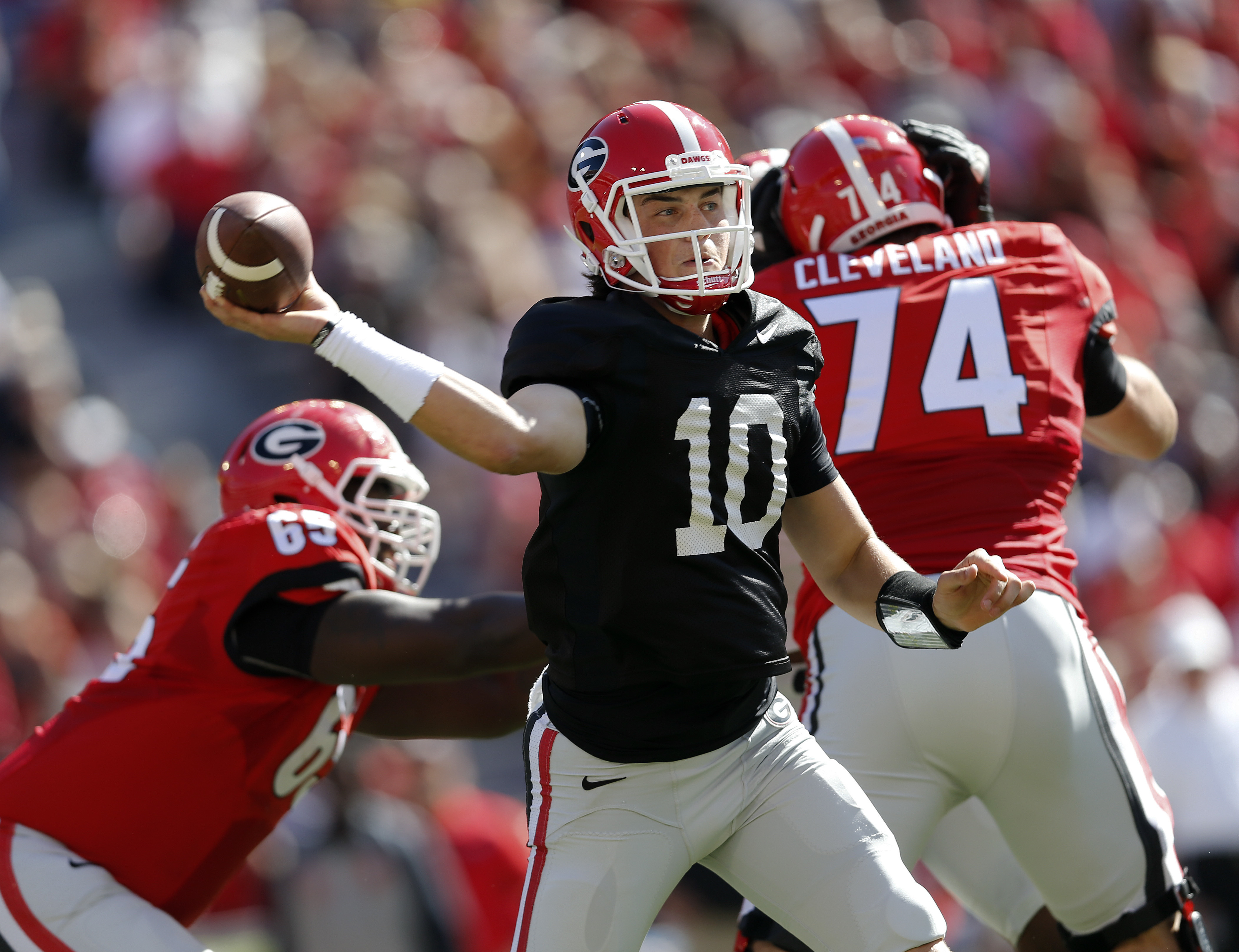 Georgia quarterback Jacob Eason throws during the first half of their spring intra-squad NCAA college football game Saturday, April 16, 2016, in Athens, Ga. (AP Photo/John Bazemore)