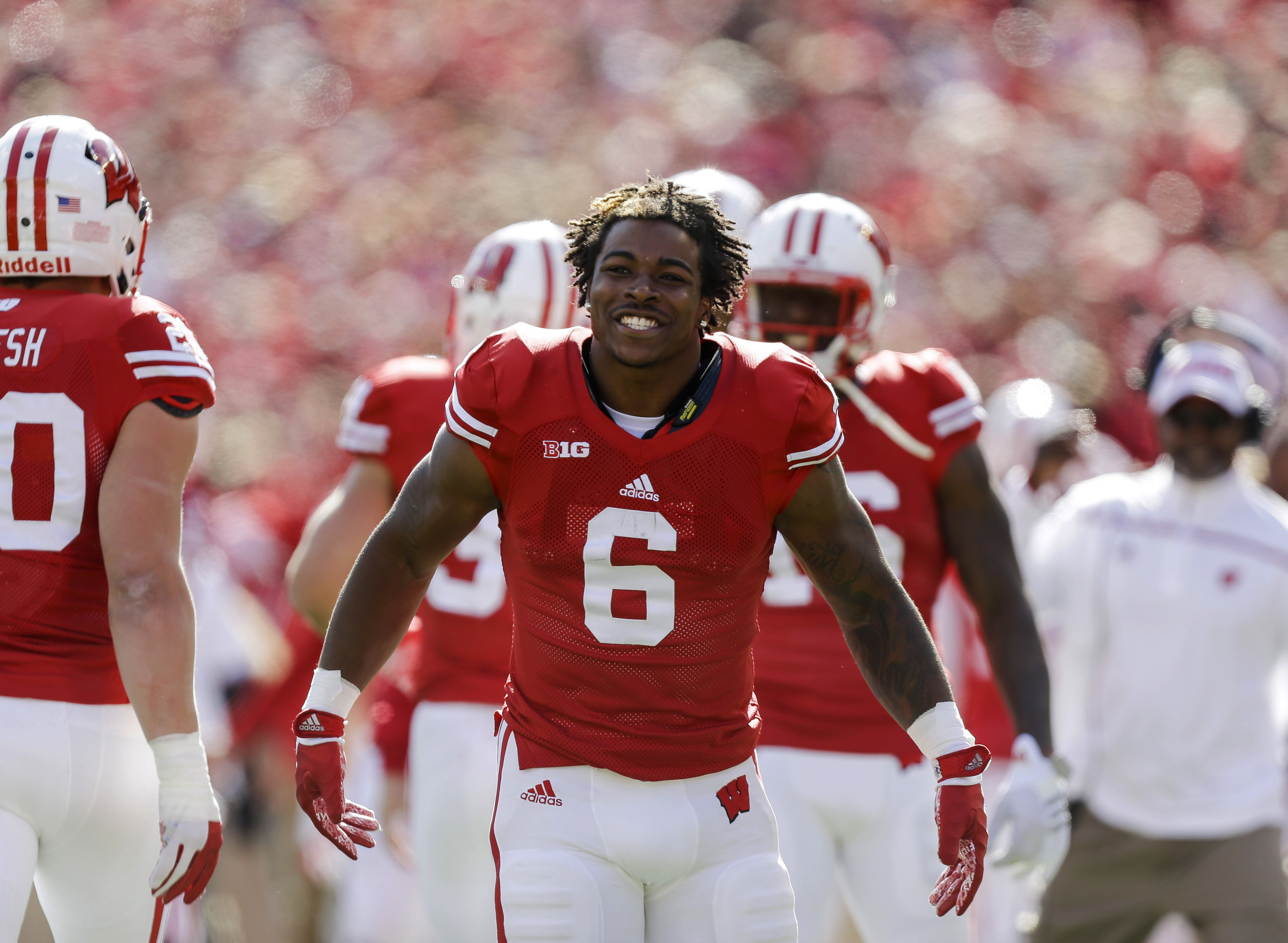 FILE - In this Oct. 17, 2015 file photo, Wisconsin running back Corey Clement (6) is shown during the second half of an NCAA college football game against Purdue, in Madison, Wis. Clement said he has a clean bill of health, and that hes planning to train