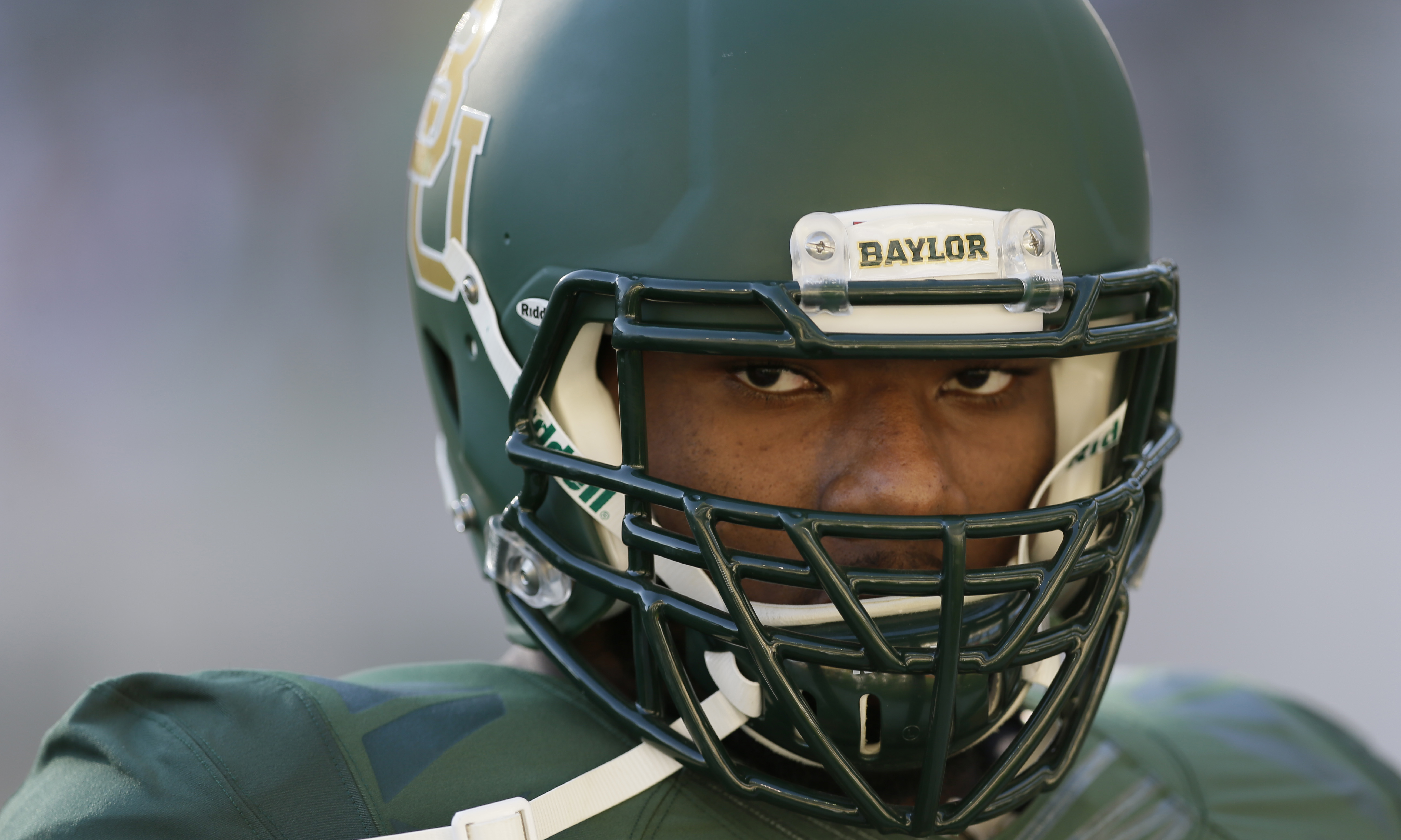Baylor defensive end Shawn Oakman (2) warms up before an NCAA college football game Saturday, Sept. 12, 2015, in Waco, Texas. (AP Photo/LM Otero)