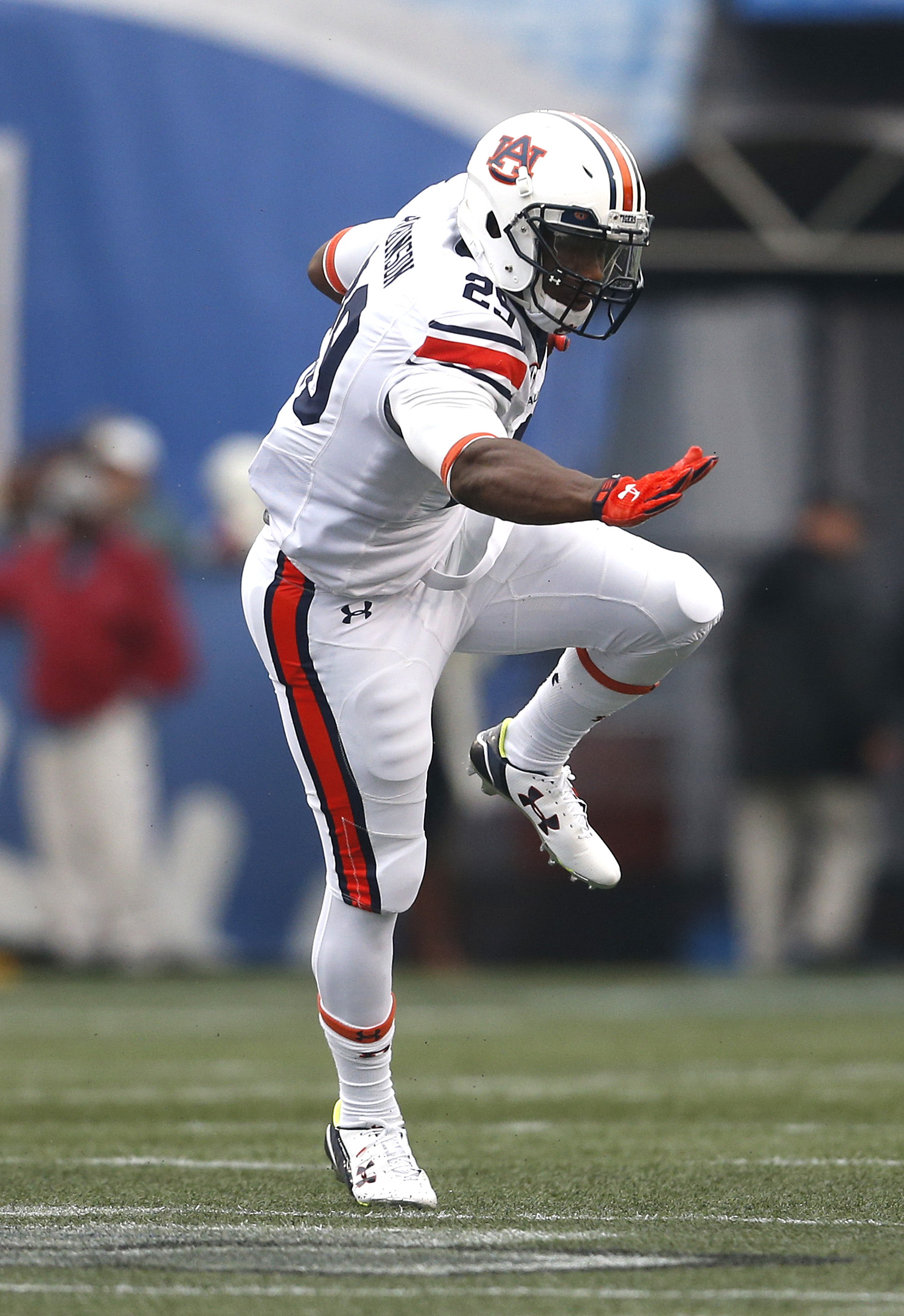 Auburn running back Jovon Robinson (29) carries the ball during the first half of the Birmingham Bowl NCAA college football game against Memphis, Wednesday, Dec. 30, 2015, in Birmingham, Ala. (AP Photo/Butch Dill)