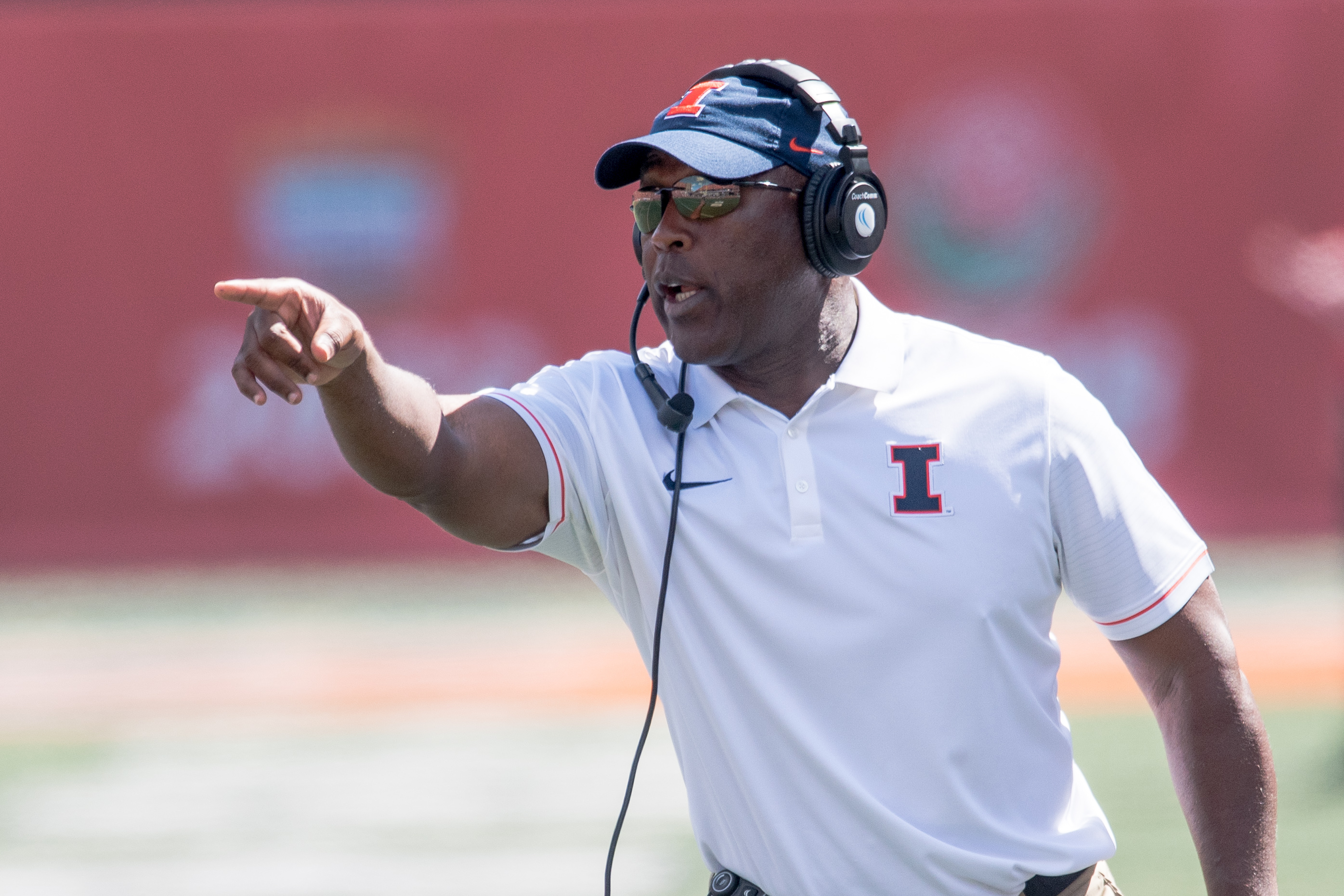 Illinois head coach Lovie Smith shouts during the first quarter of an NCAA college football game against Murray State Saturday, Sept. 3, 2016 at Memorial Stadium in Champaign, Ill.  (AP Photo/Bradley Leeb)