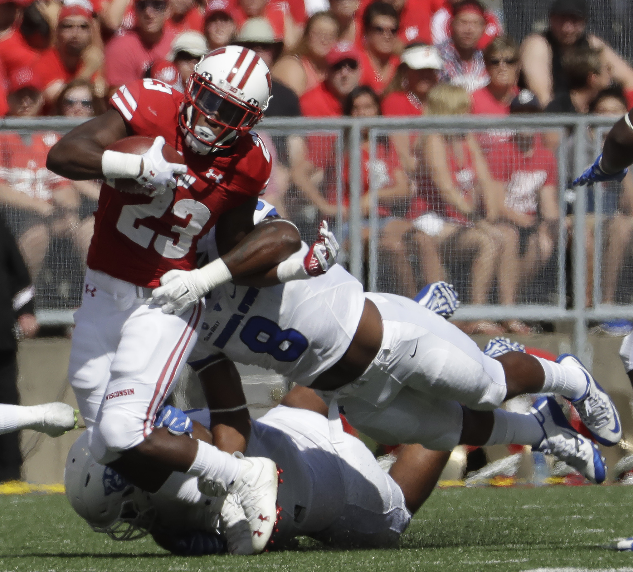 Wisconsin's Dare Ogunbowale runs during the first half of an NCAA college football game against Georgia State Saturday, Sept. 17, 2016, in Madison, Wis. (AP Photo/Morry Gash)