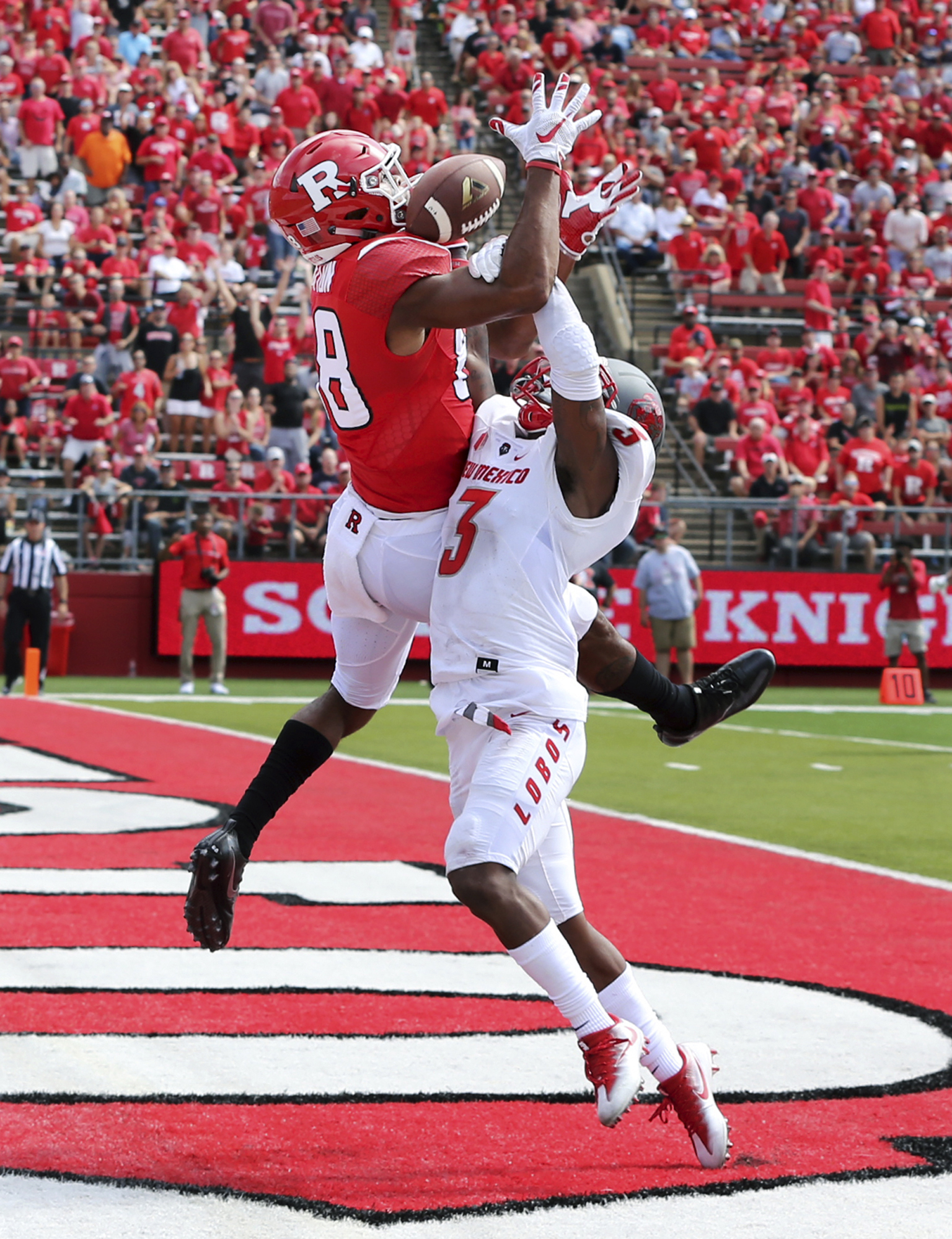 Rutgers wide receiver Andre Patton (88) catches a pass for a touchdown as New Mexico running back Richard McQuarley (3) defends during the first half of a NCAA college football game Saturday, Sept. 17, 2016, in Piscataway, N.J. (AP Photo/Mel Evans)