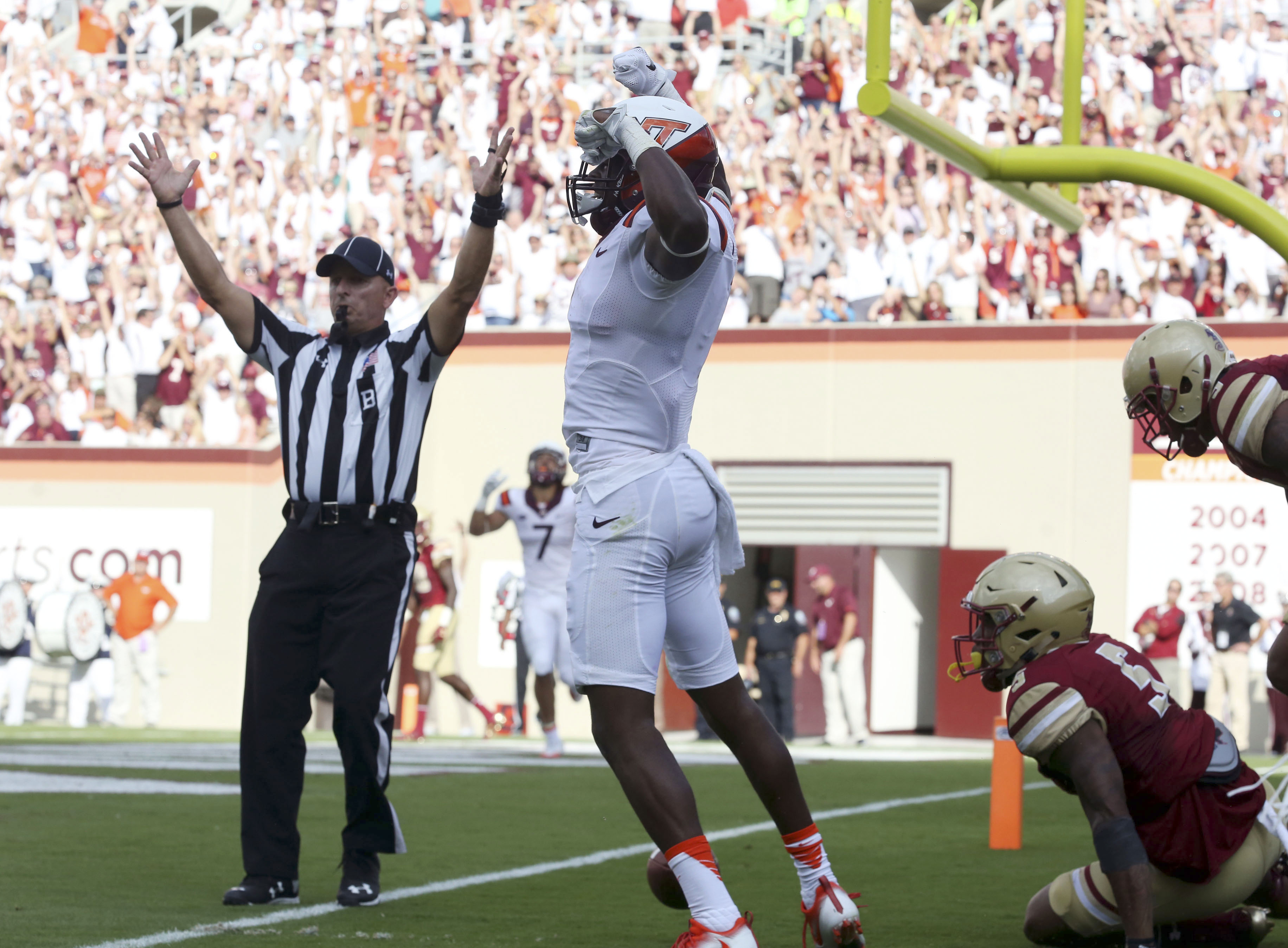 Virginia Tech wide receiver Isaiah Ford (1) celebrates a second quarter touchdown catch from Jerod Evans in an NCAA college football game, in Blacksburg Va. Saturday Sept. 17, 2016. (Matt Gentry/The Roanoke Times via AP)