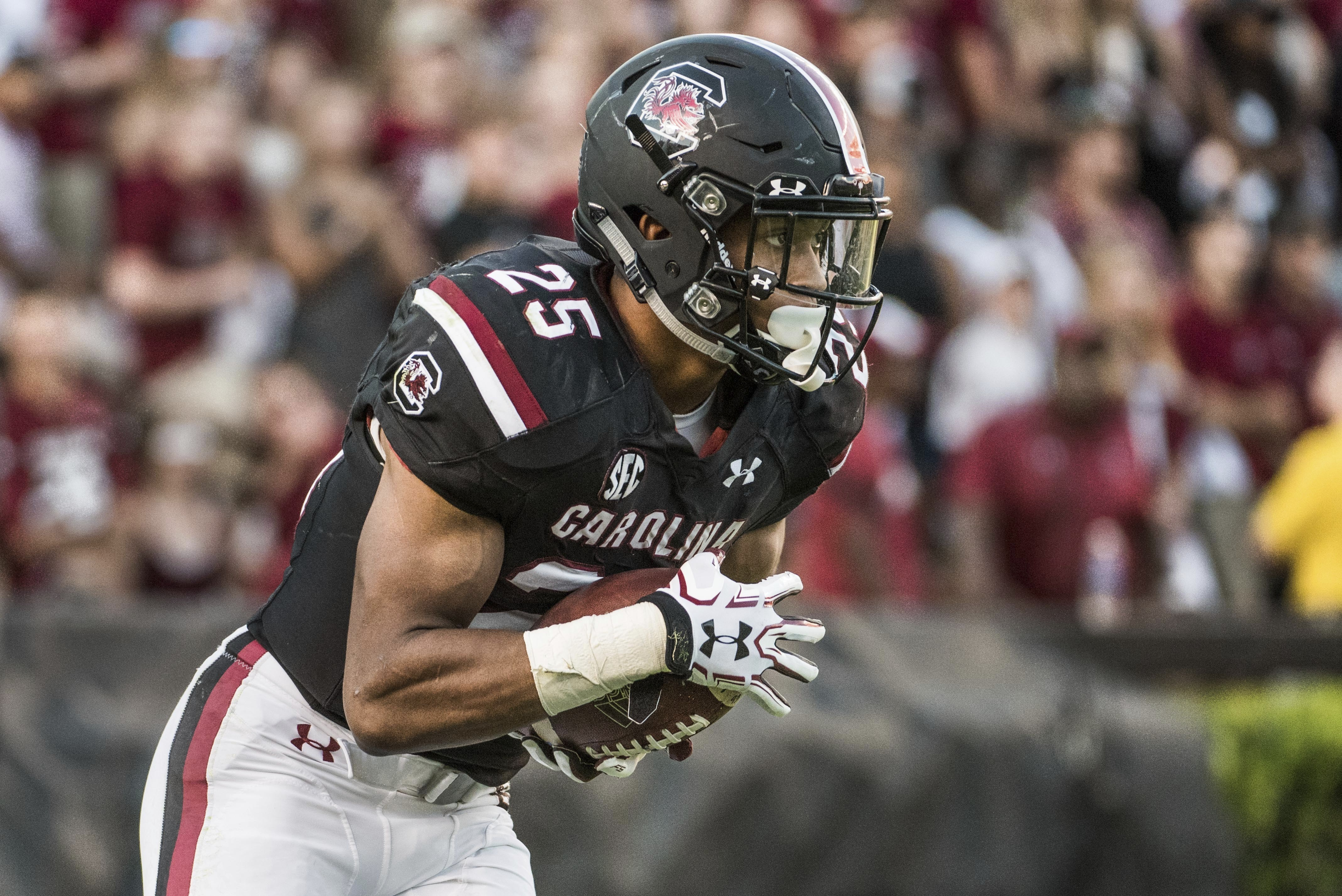 South Carolina running back A.J. Turner (25) returns a kick during the second half of an NCAA college football game against Texas A&M, Saturday, Oct. 1, 2016, in Columbia, S.C. Texas A&M defeated South Carolina 24-13. (AP Photo/Sean Rayford)