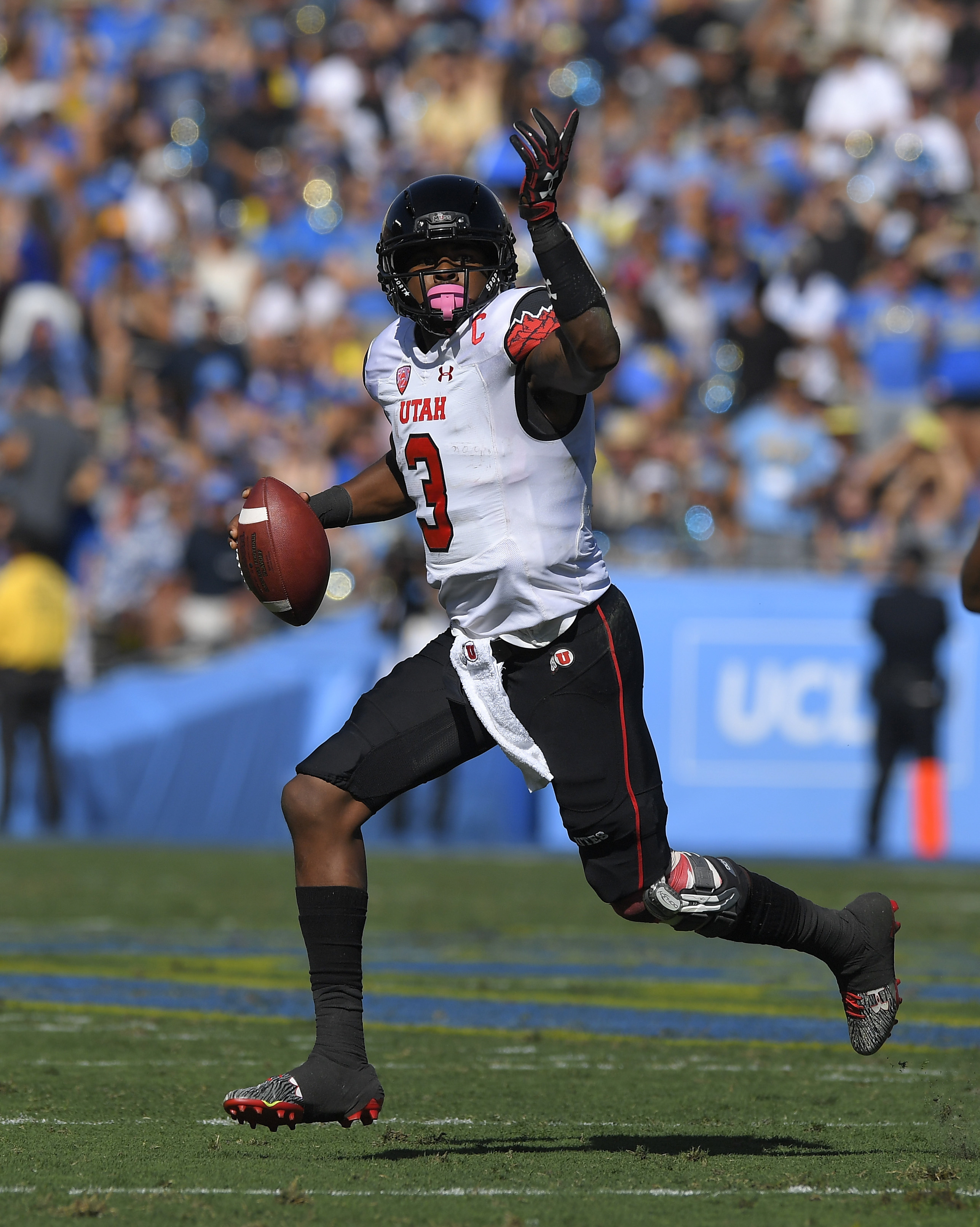Utah quarterback Troy Williams gets set to pass during the first half of an NCAA college football game against UCLA, Saturday, Oct. 22, 2016, in Pasadena, Calif. (AP Photo/Mark J. Terrill)