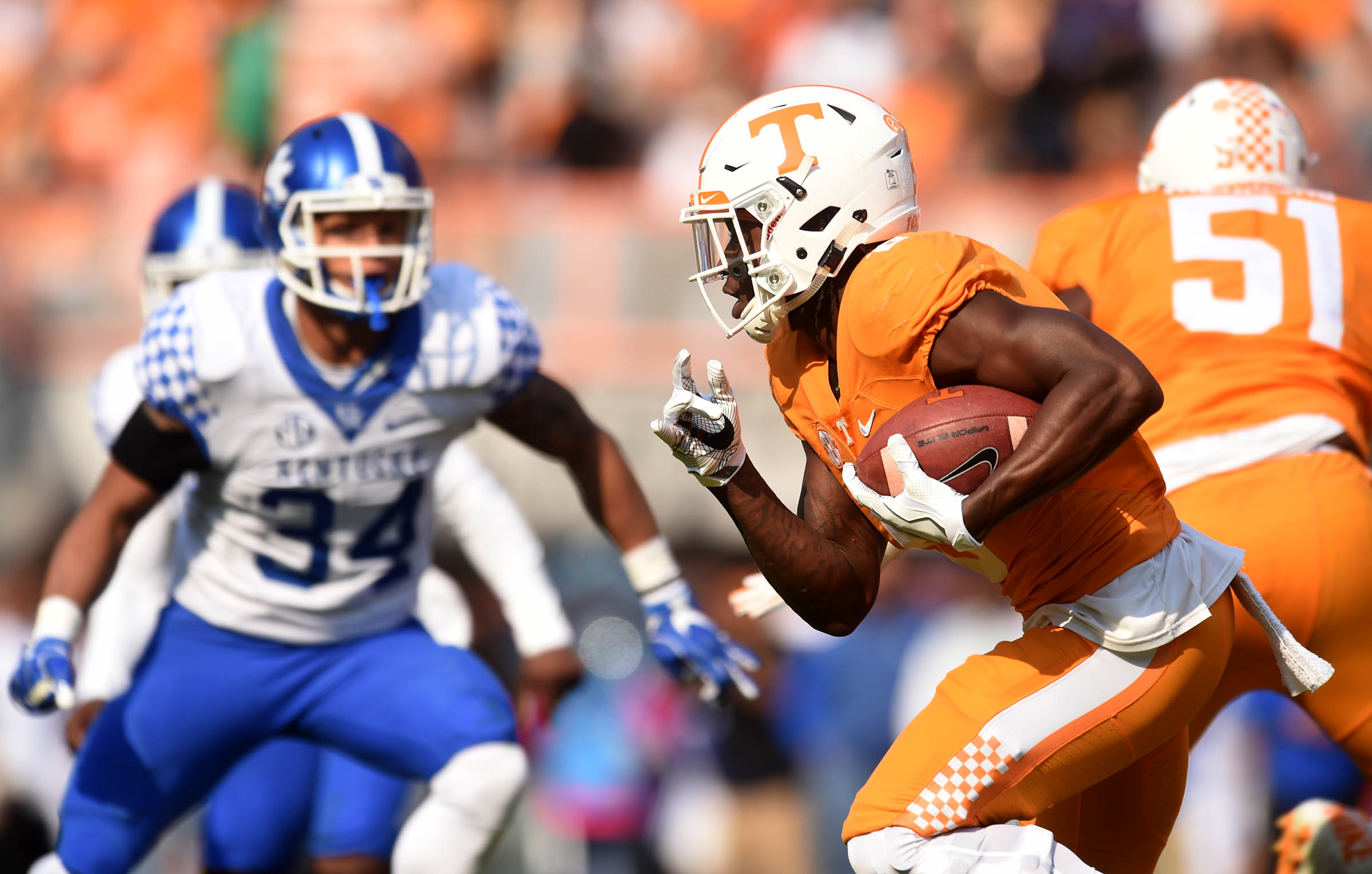Tennessee running back Alvin Kamara (6) carries the ball against Kentucky during the first half of an NCAA college football game at Neyland Stadium on Saturday, Nov. 12, 2016, in Knoxville, Tenn. (Amy Smotherman Burgess/Knoxville News Sentinel via AP)