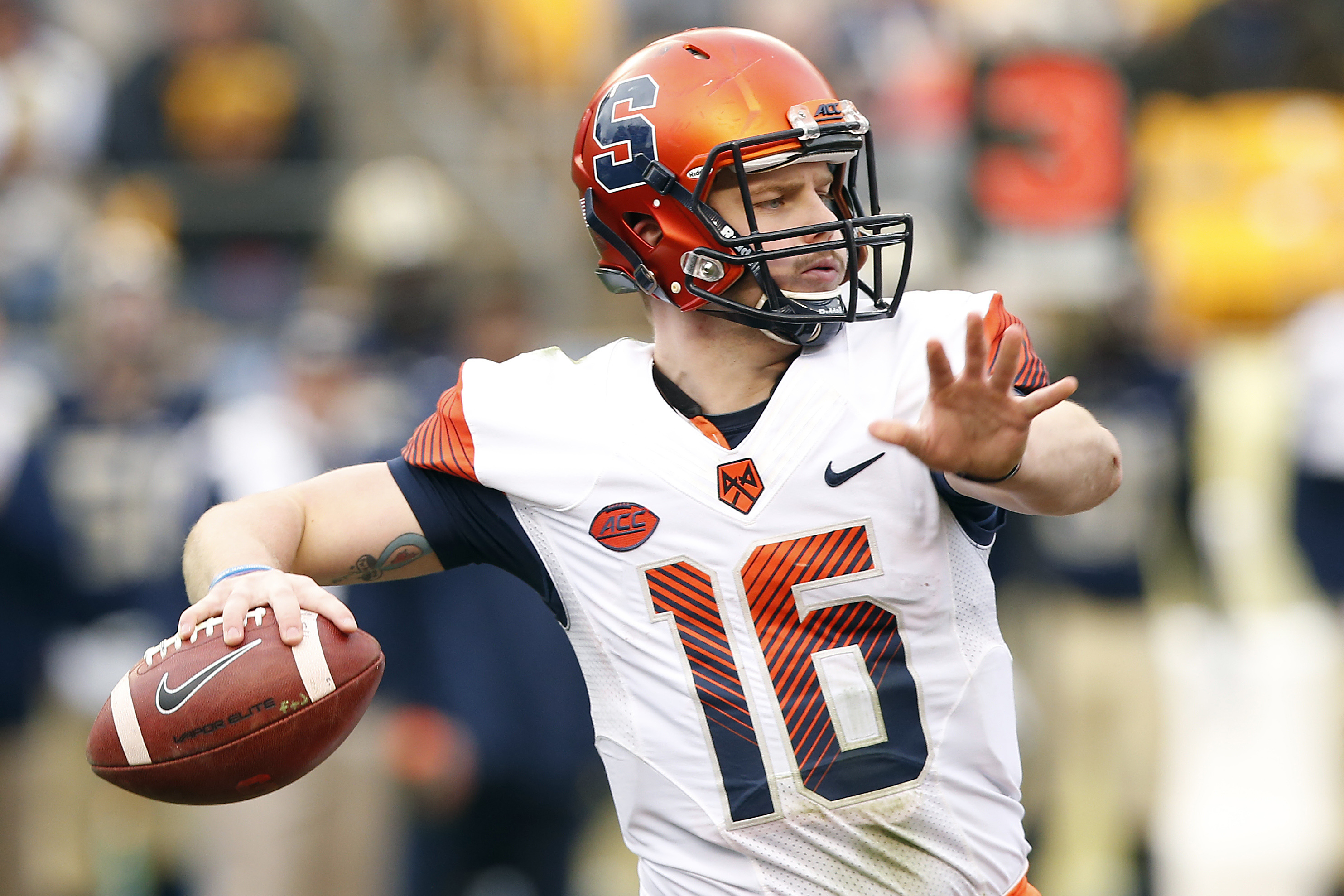 Syracuse quarterback Zack Mahoney (16) throws a pass against Pittsburgh during the first half of an NCAA college football game in Pittsburgh, Saturday, Nov. 26, 2016.(AP Photo/Jared Wickerham)