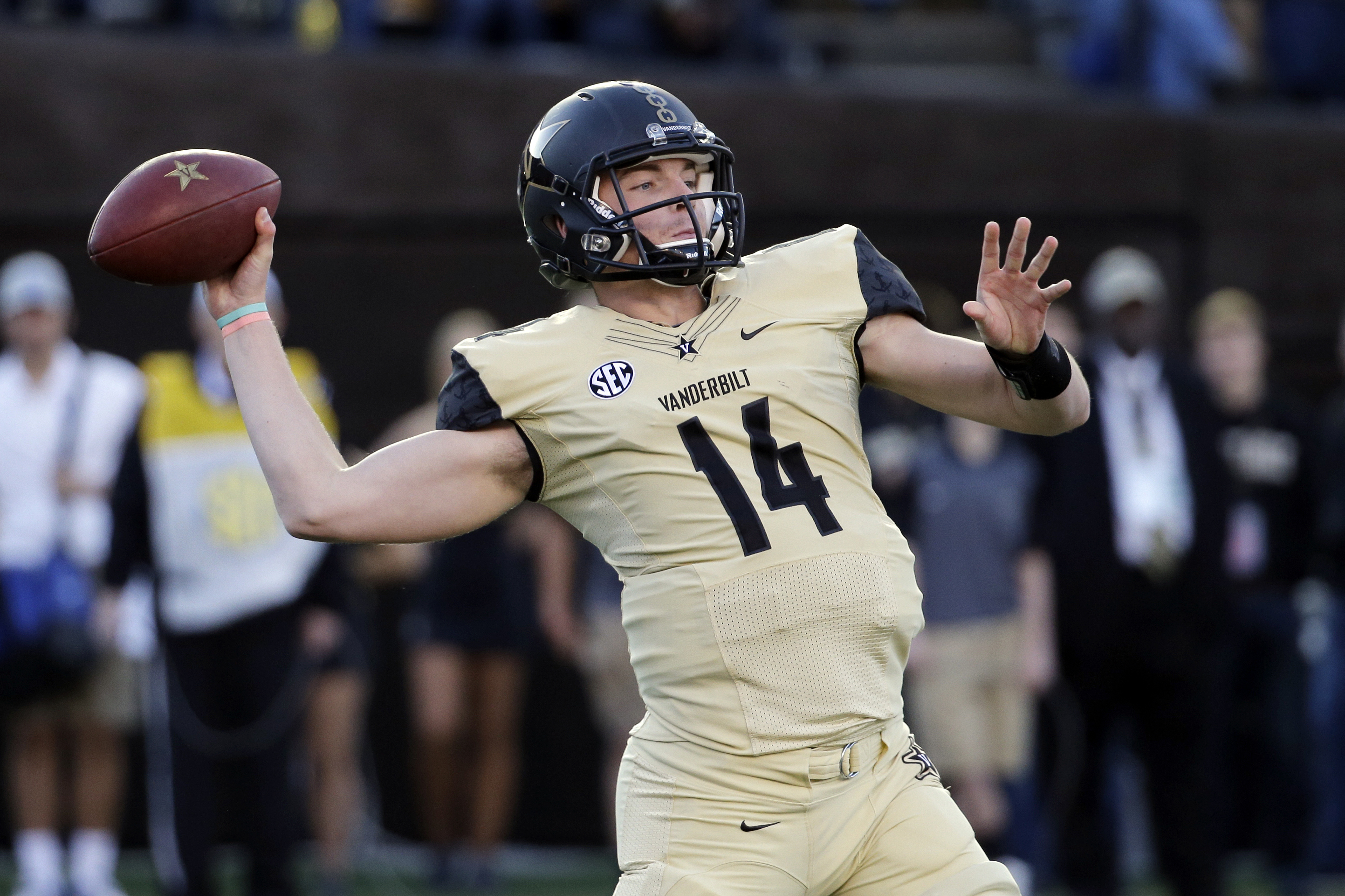 FILE - In this Nov. 14, 2015, file photo, Vanderbilt quarterback Kyle Shurmur passes against Kentucky in the first half of an NCAA college football game, in Nashville, Tenn.  With wins in their last two bowls, Vanderbilt will be heading to the Independenc