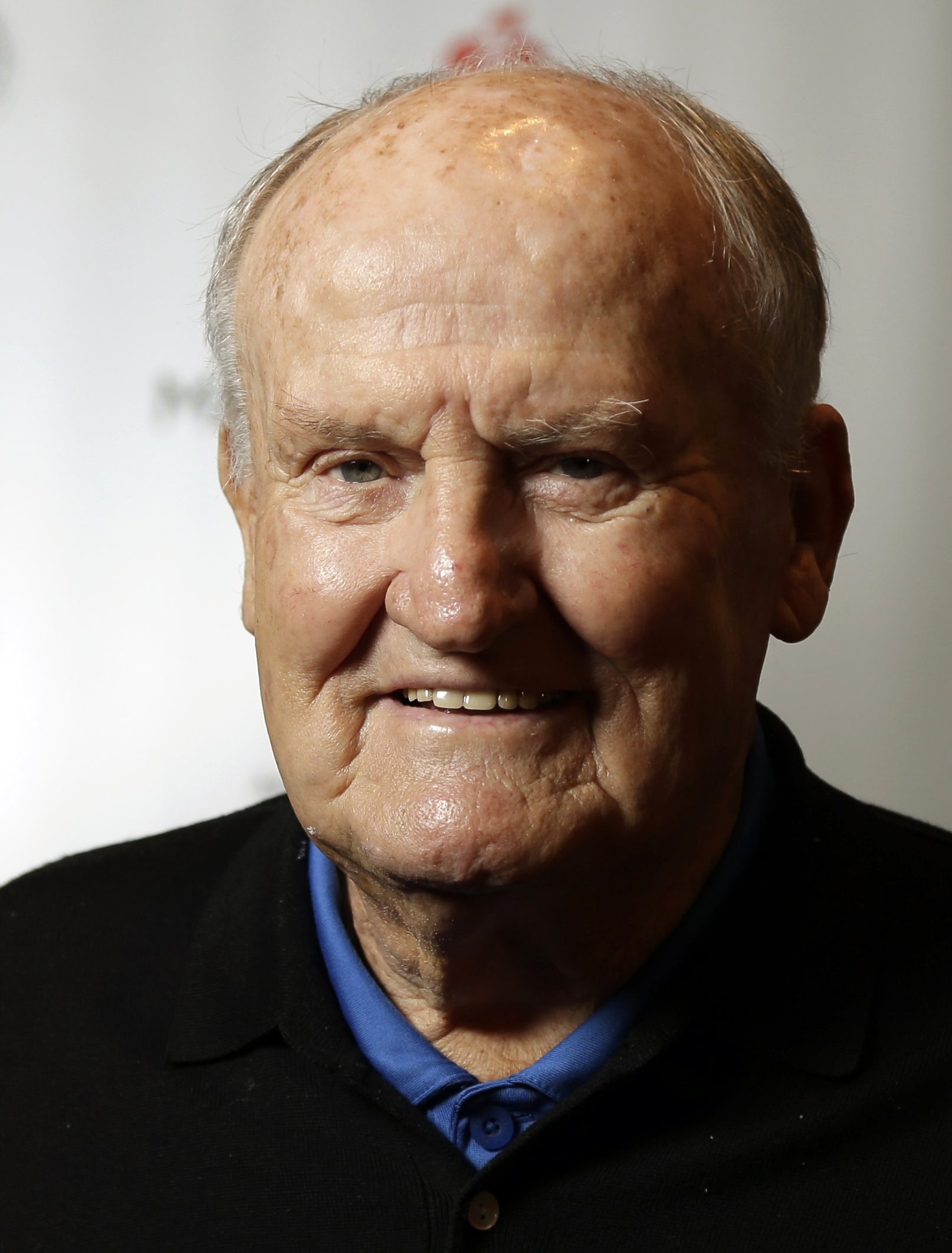 """Former BYU head football coach LaVell Edwards poses before receiving the Lifetime Achievement award at the Paul """"Bear"""" Bryant awards ceremony, Thursday, Jan. 17, 2013, in Houston. (AP Photo/Pat Sullivan)"""