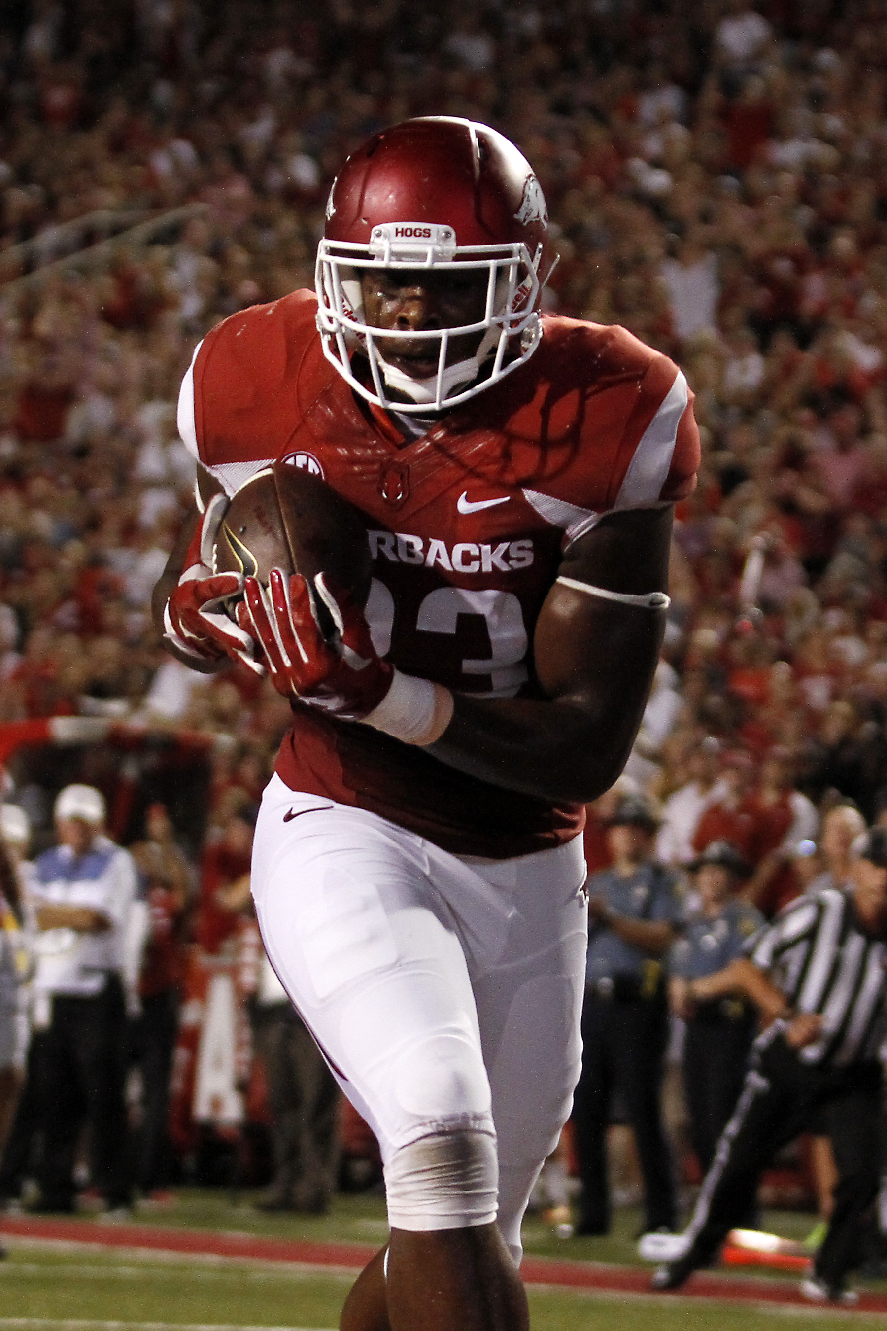 Arkansas' Jeremy Sprinkle (83) catches a pass in the end zone during the second quarter of an NCAA college football game against Texas State Saturday, Sept. 17, 2016 in Fayetteville, Ark. (AP Photo/Samantha Baker)