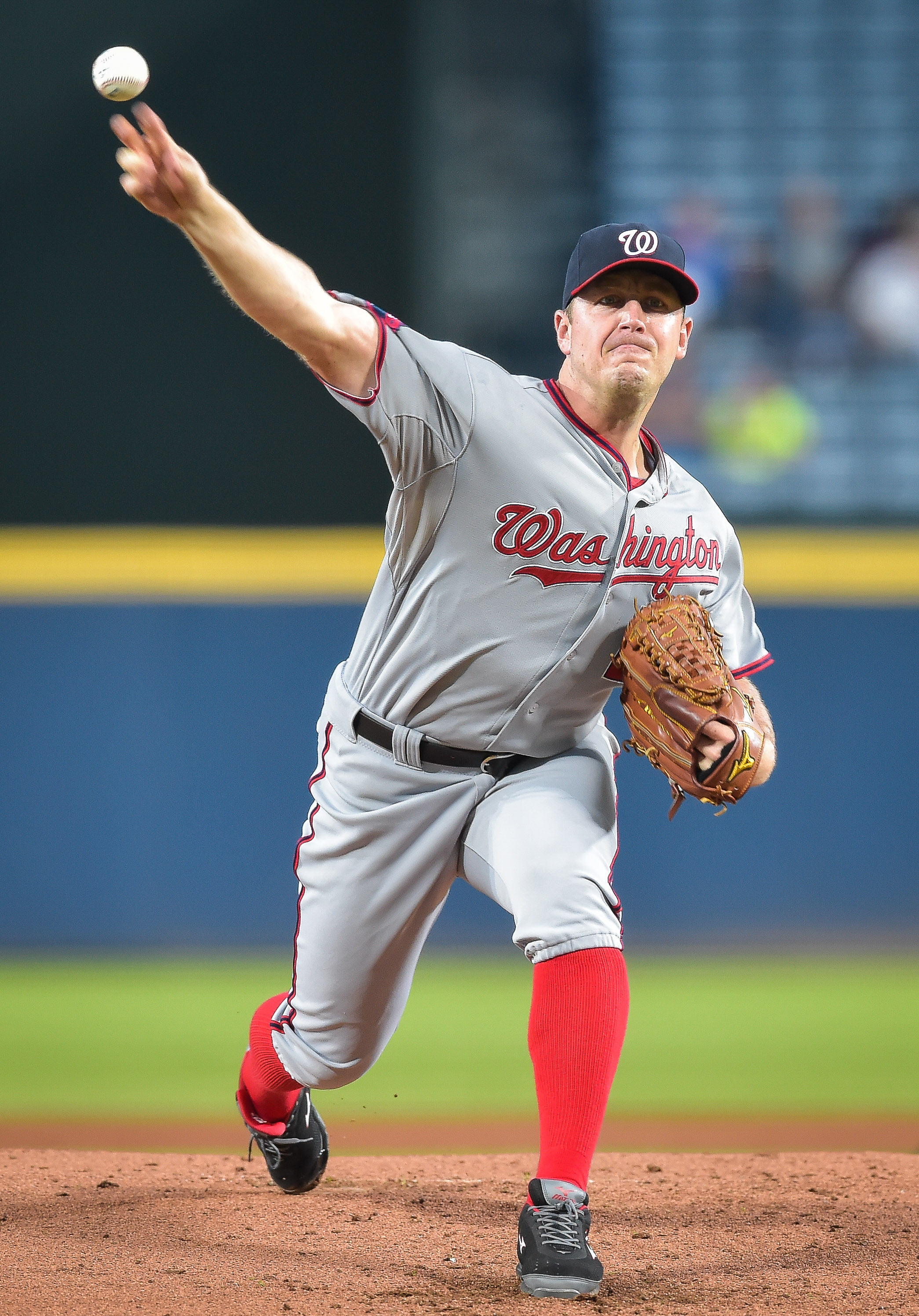 Washington Nationals starting pitcher Jordan Zimmermann works in the first inning of a baseball game against the Atlanta Braves, Wednesday, Sept. 30, 2015, in Atlanta. (AP Photo/Jon Barash)