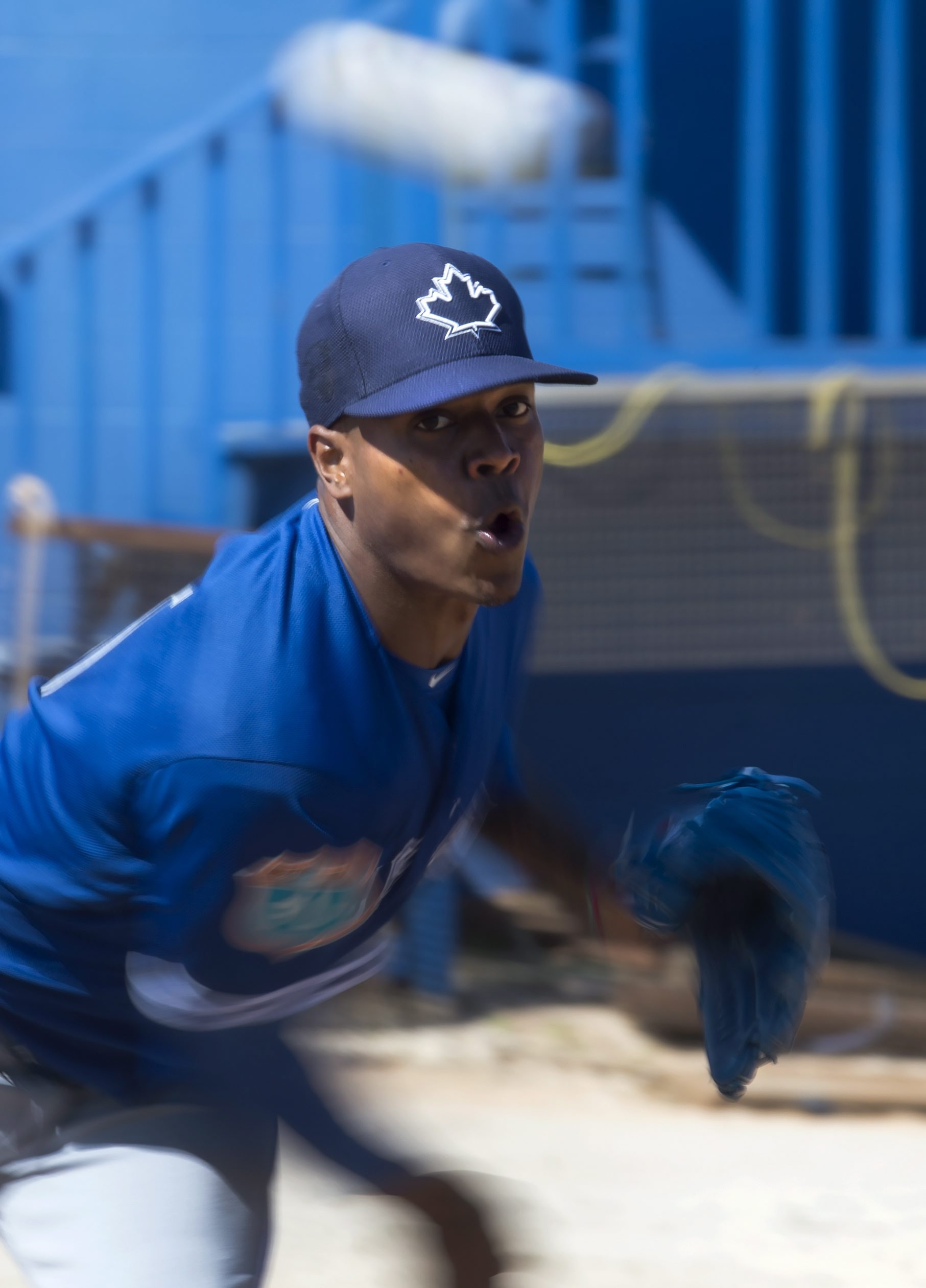 Toronto Blue Jays pitcher Marcus Stroman throws during a spring training baseball workout in Dunedin, Fla., Friday, Feb. 26, 2016. (Frank Gunn/The Canadian Press via AP) MANDATORY CREDIT