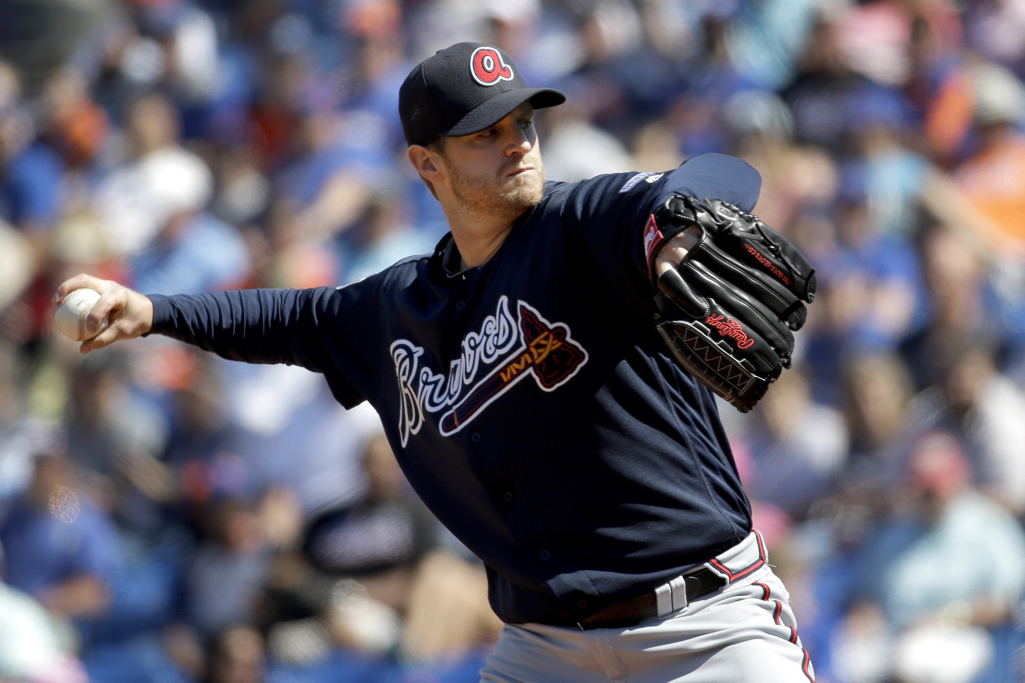 Atlanta Braves starting pitcher Kyle Kendrick throws during the first inning of an exhibition spring training baseball game against the New York Mets, Sunday, March 6, 2016, in Port St. Lucie, Fla. (AP Photo/Jeff Roberson)