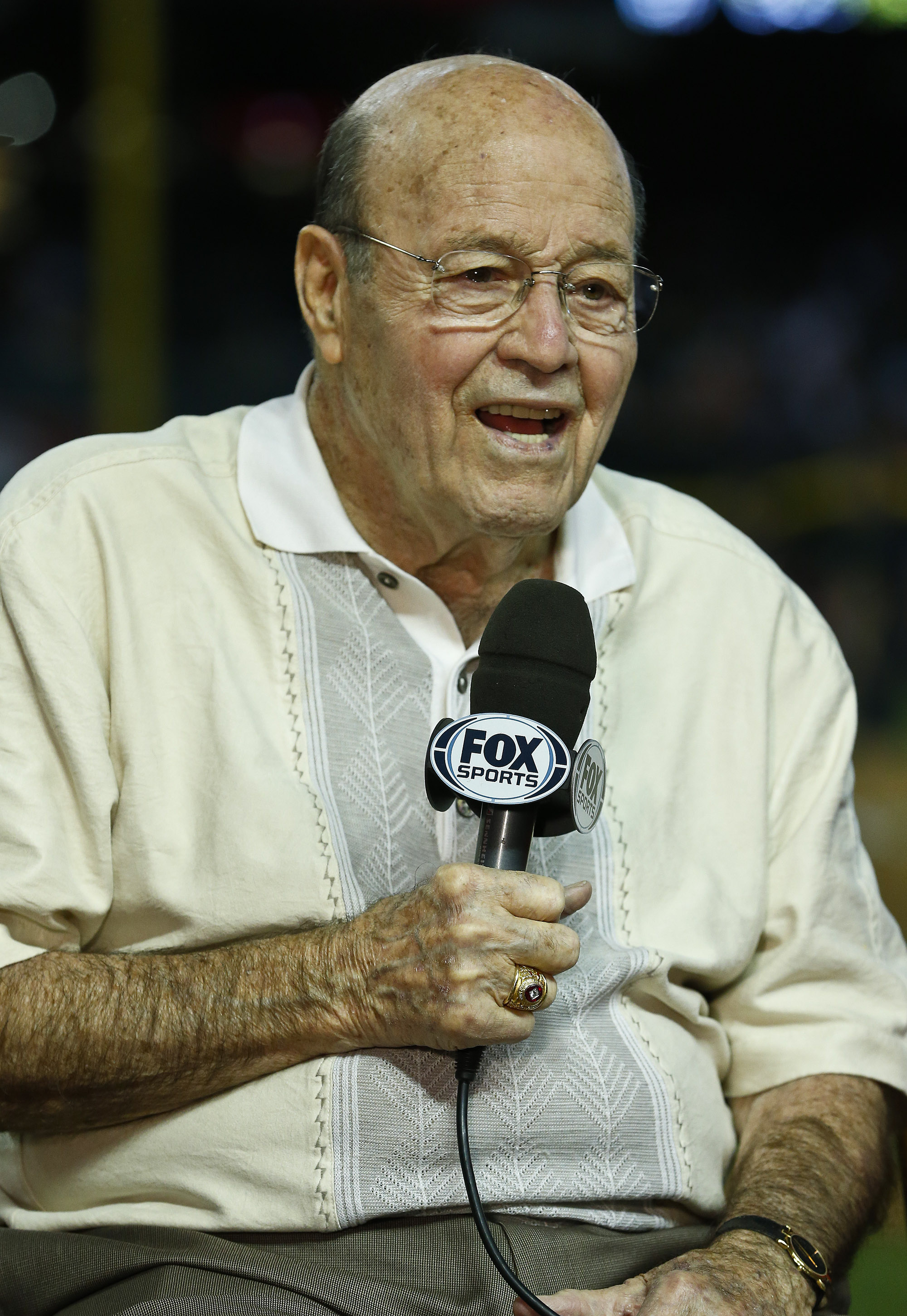 Arizona Diamondbacks broadcaster Joe Garagiola speaks during a pregame show prior to a baseball game against the Los Angeles Dodgers, on Sunday, April 14, 2013 in Phoenix.  The game was Garagiola's last as a broadcaster as he announced his retirement. (AP
