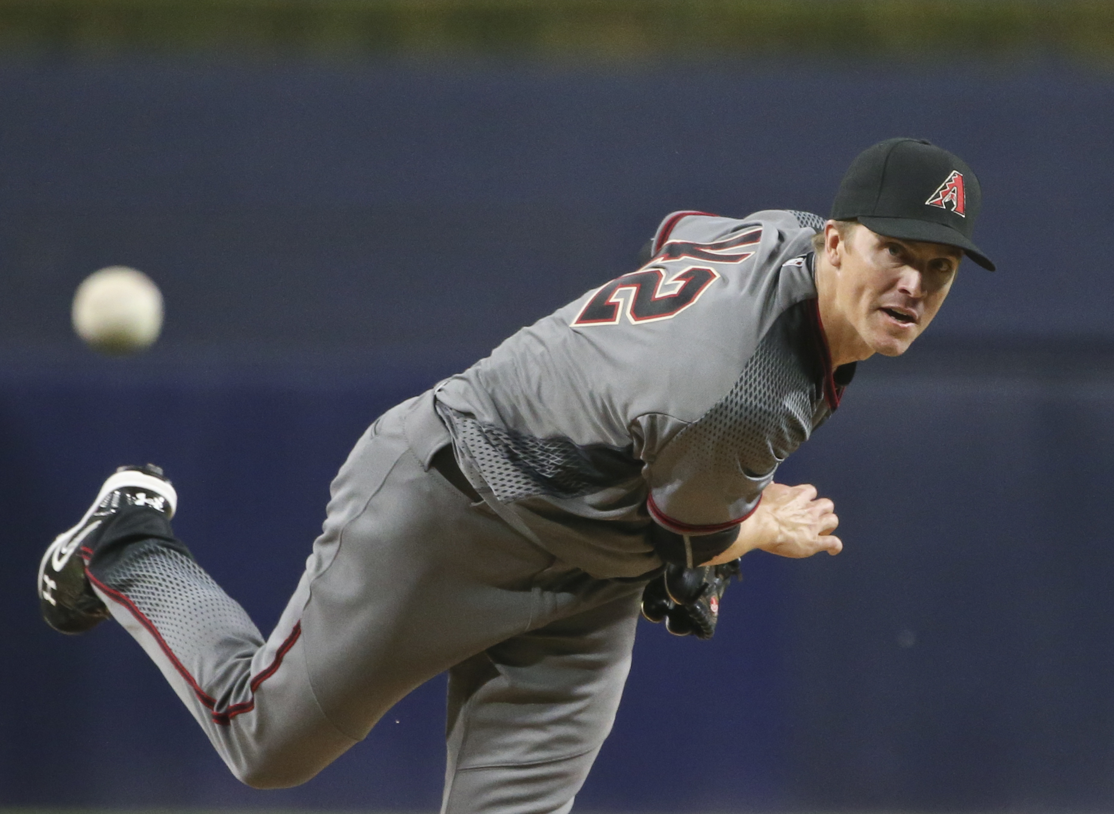 Arizona Diamondbacks starting pitcher Zack Greinke throws to a San Diego Padres batter during the first inning of a baseball game Friday, April 15, 2016, in San Diego. (AP Photo/Lenny Ignelzi)