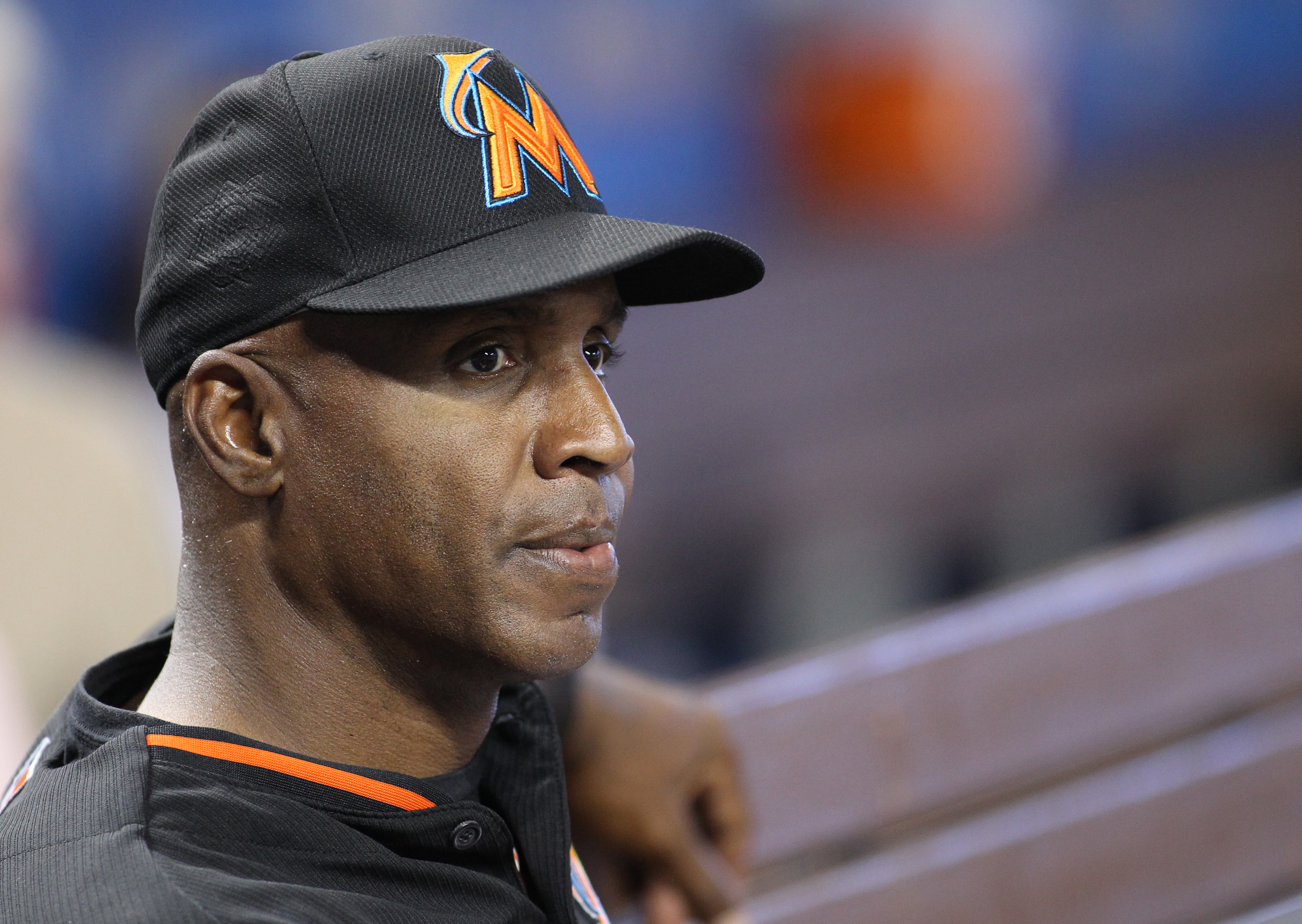 Miami Marlins hitting coach Barry Bonds watches batting practice before a baseball game against the Washington Nationals Wednesday, April 20, 2016, in Miami. (AP Photo/Luis M. Alvarez)