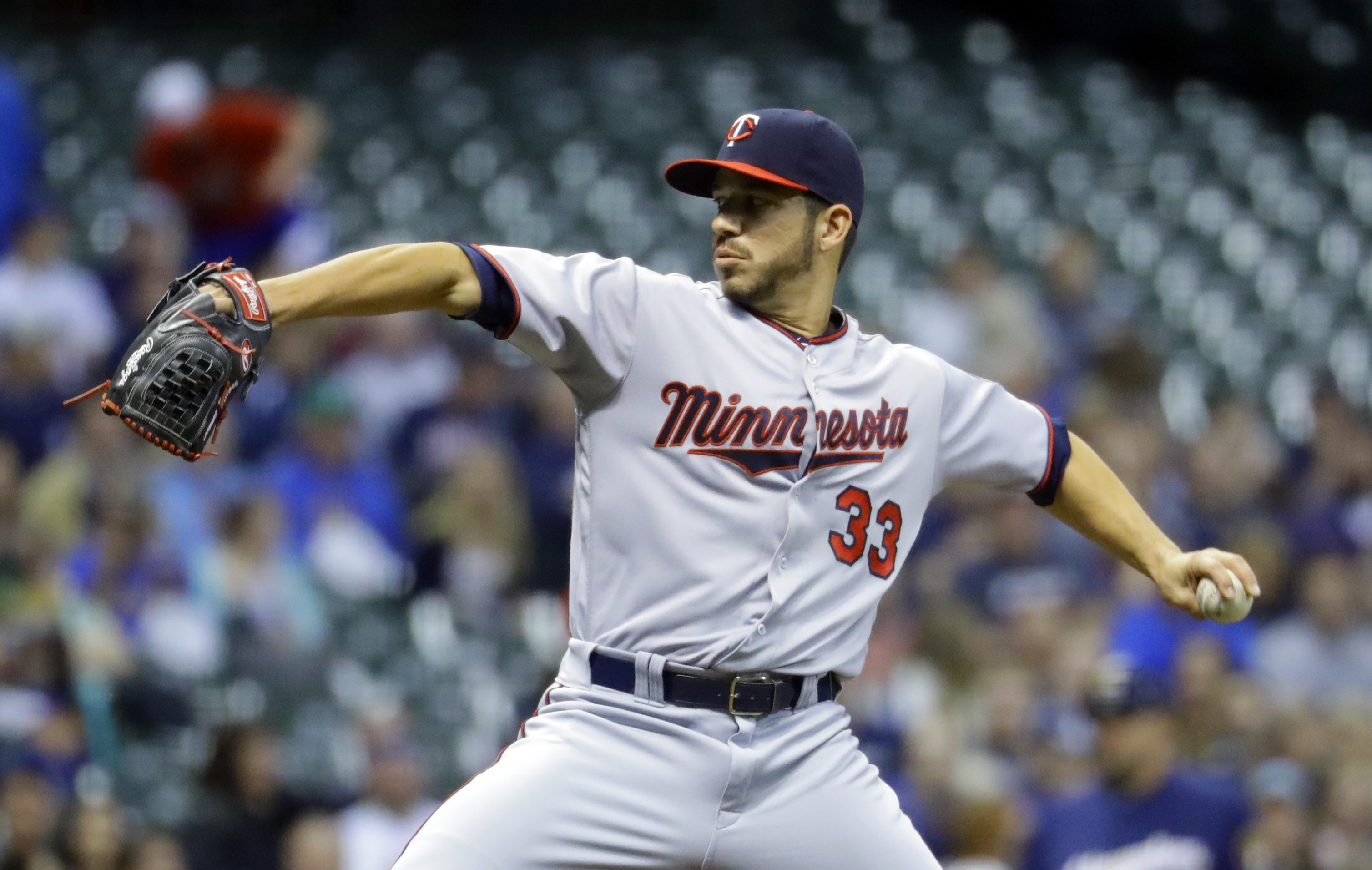 Minnesota Twins starting pitcher Tommy Milone throws during the first inning of a baseball game against the Milwaukee Brewers Wednesday, April 20, 2016, in Milwaukee. (AP Photo/Morry Gash)