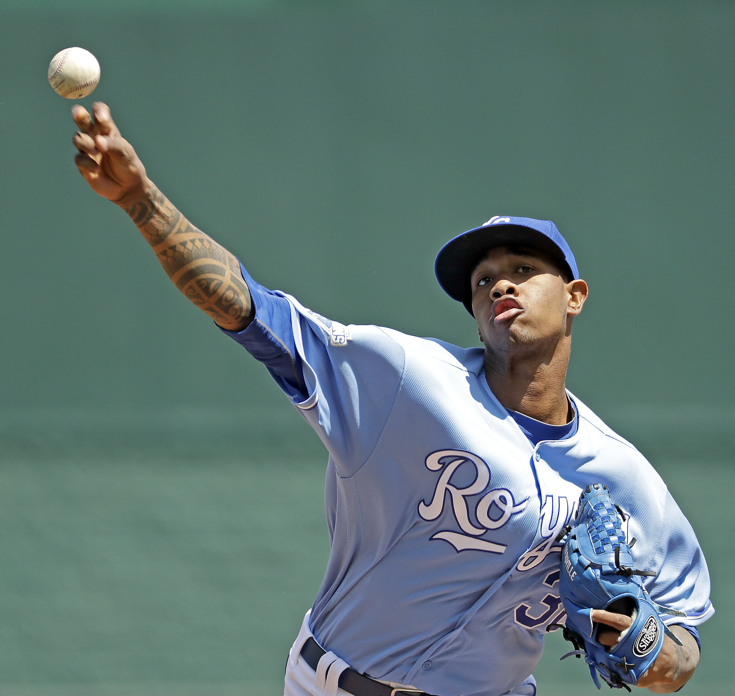 Kansas City Royals starting pitcher Yordano Ventura throws during the first inning of a baseball game against the Baltimore Orioles, Sunday, April 24, 2016, in Kansas City, Mo. (AP Photo/Charlie Riedel)
