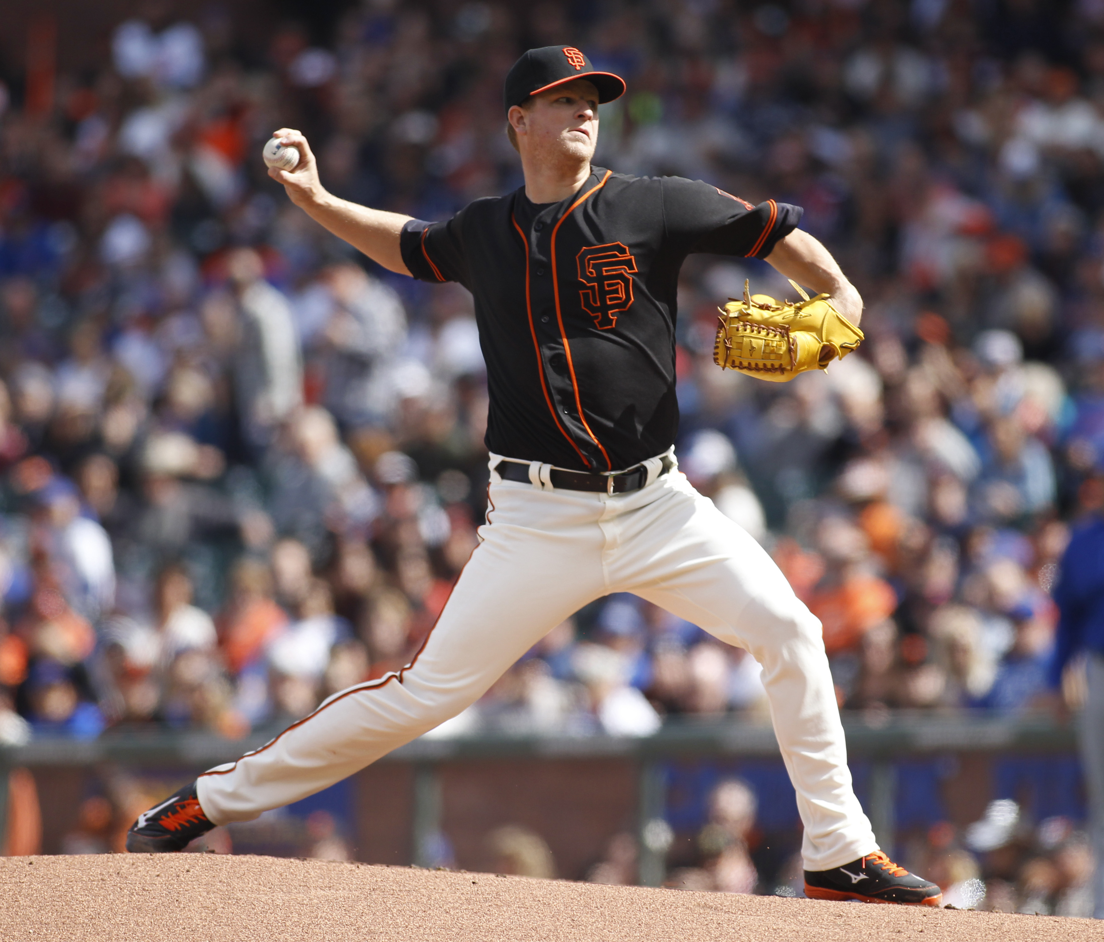 San Francisco Giants pitcher Matt Cain throws to the Chicago Cubs during the first inning of a baseball game, Saturday, May 21, 2016, in San Francisco. (AP Photo/George Nikitin)