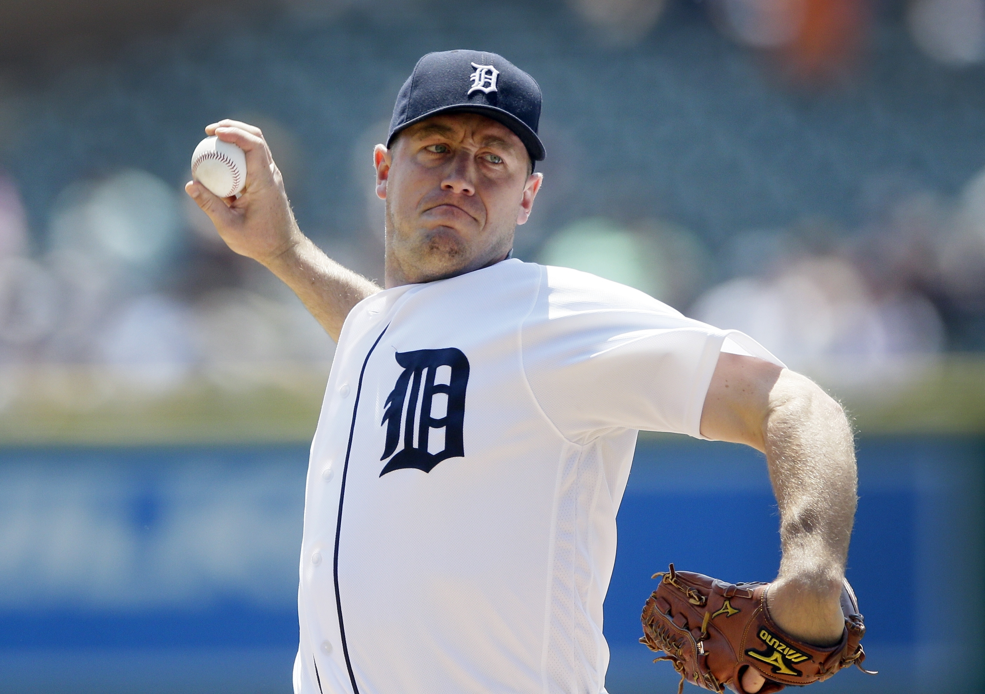 Detroit Tigers starting pitcher Jordan Zimmermann throws during the first inning of a baseball game against the Tampa Bay Rays, Sunday, May 22, 2016, in Detroit. (AP Photo/Carlos Osorio)